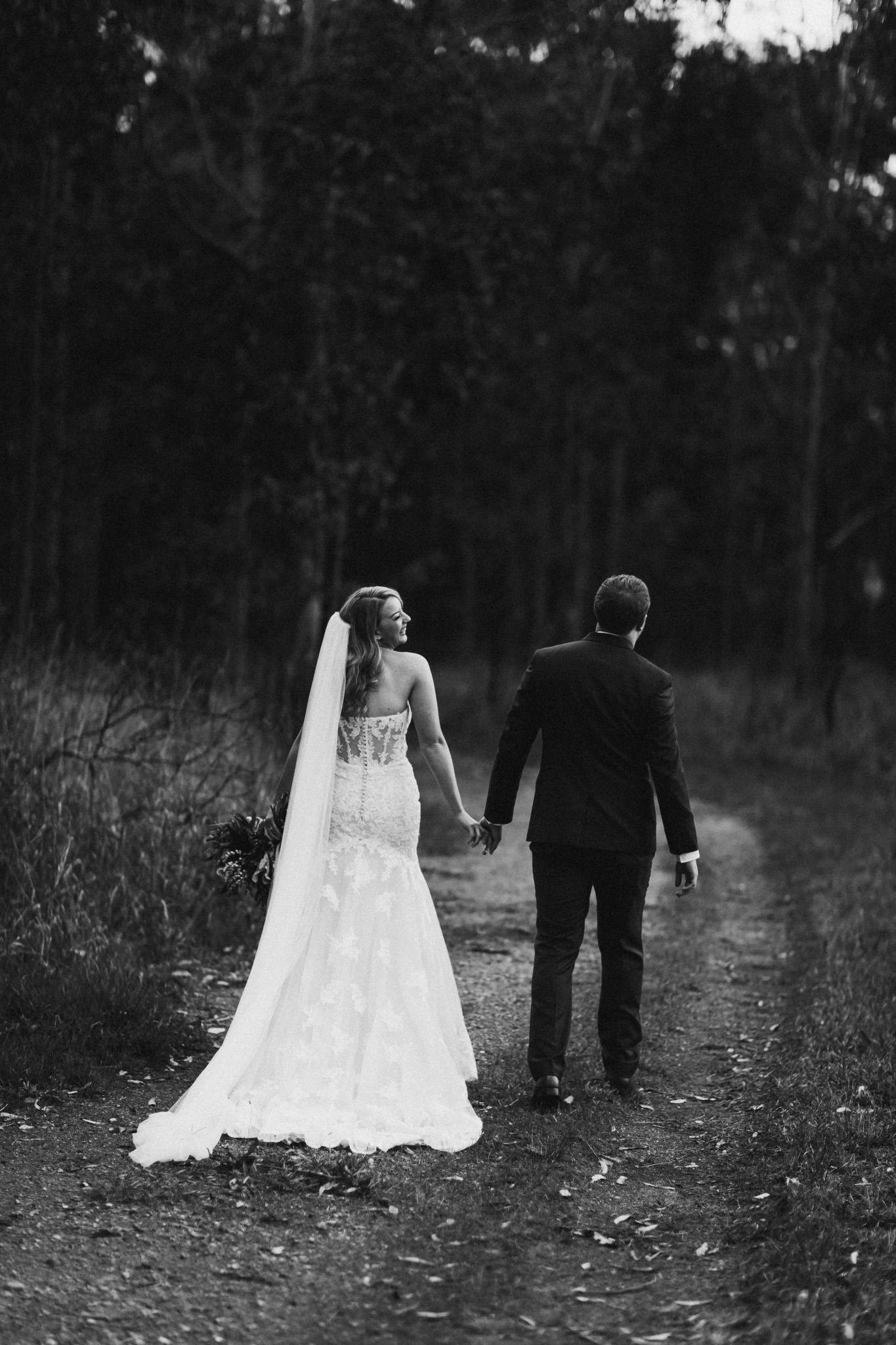 WeddingPhotos_Facebook_2048pixels-1100.jpg
