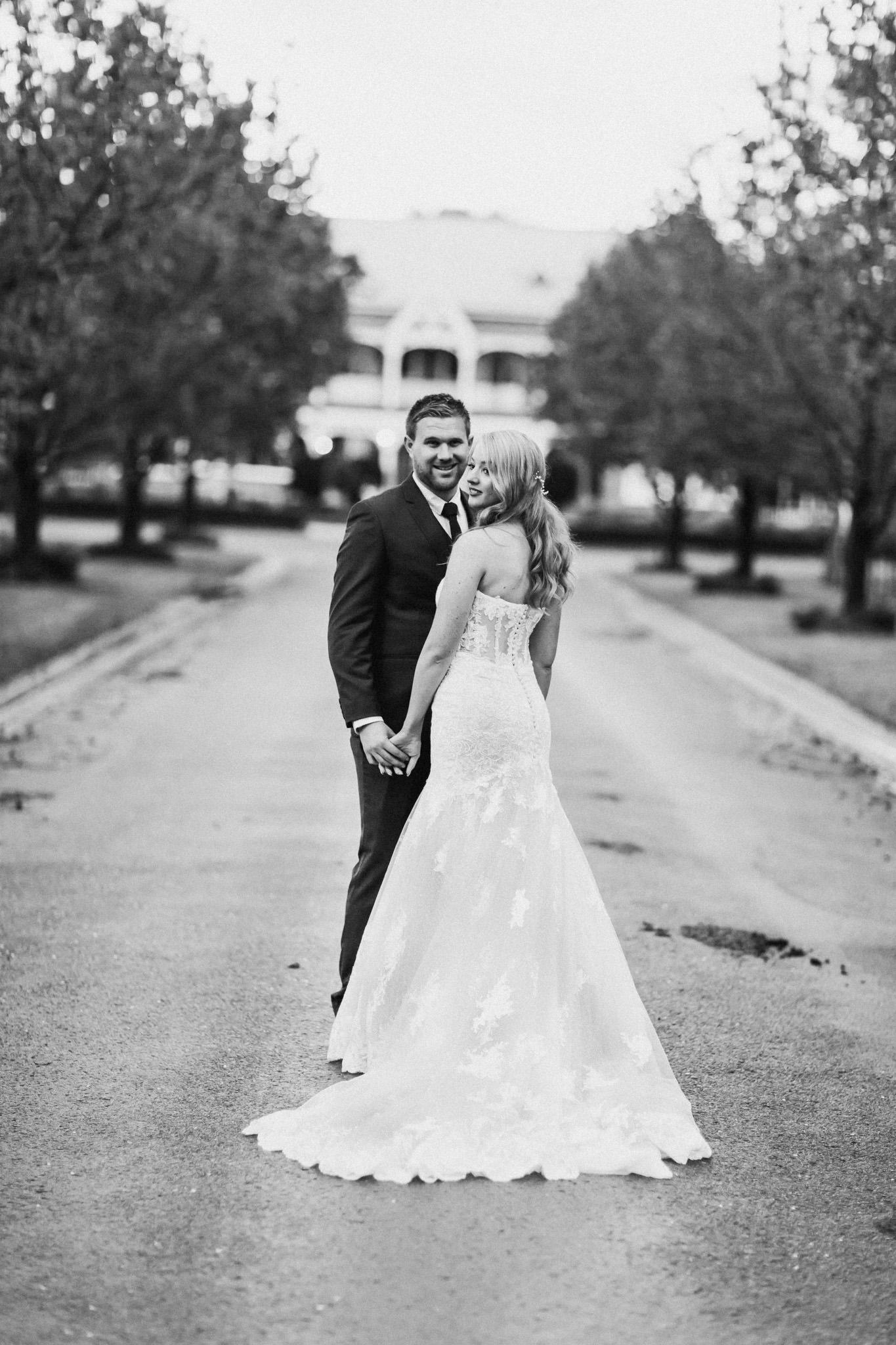 WeddingPhotos_Facebook_2048pixels-1104.jpg