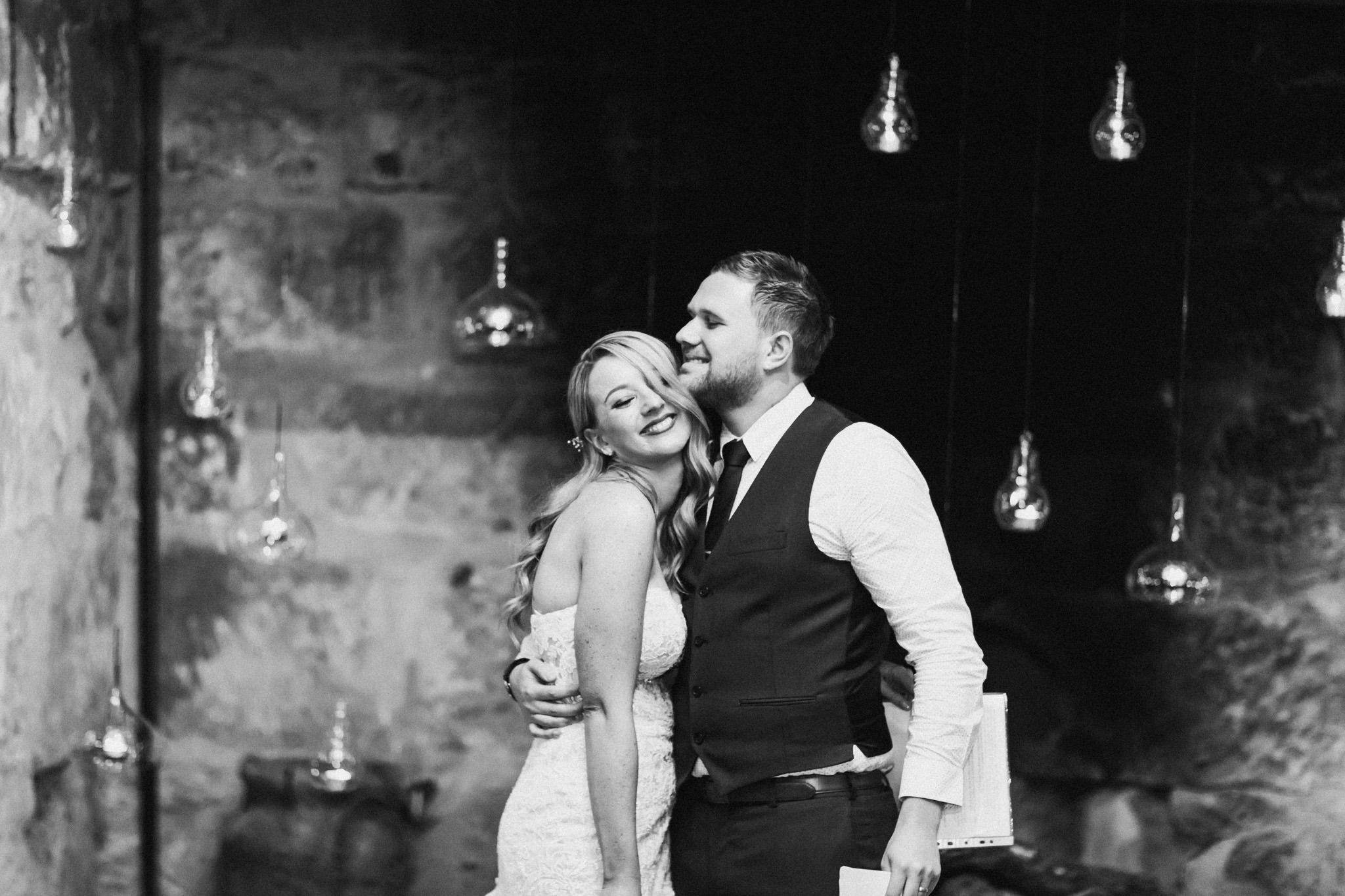 WeddingPhotos_Facebook_2048pixels-1139.jpg