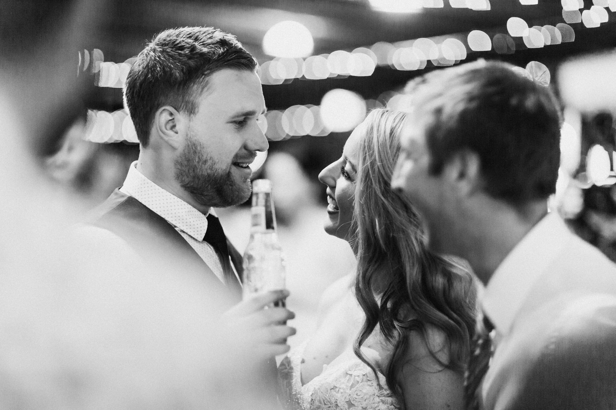 WeddingPhotos_Facebook_2048pixels-1144.jpg
