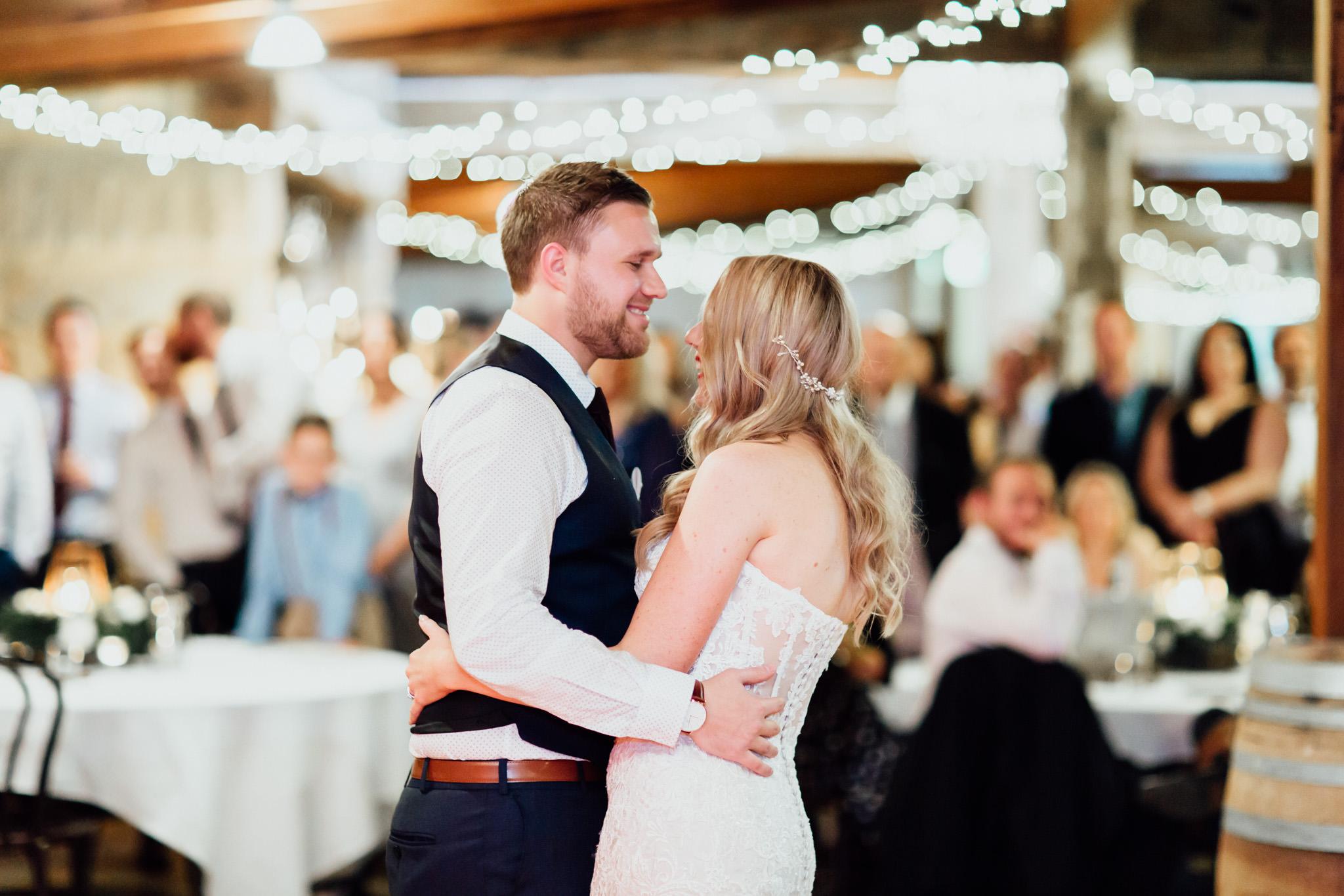 WeddingPhotos_Facebook_2048pixels-1154.jpg