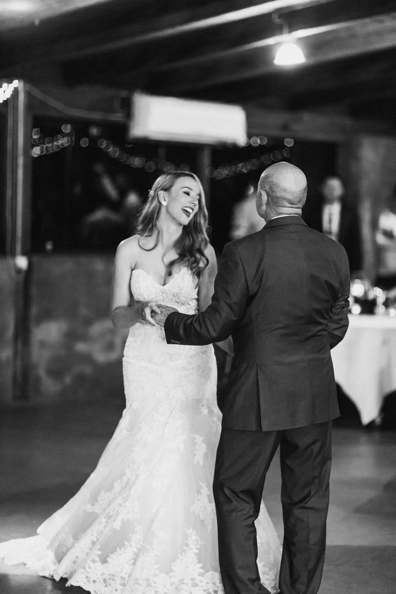 WeddingPhotos_Facebook_2048pixels-1159.jpg