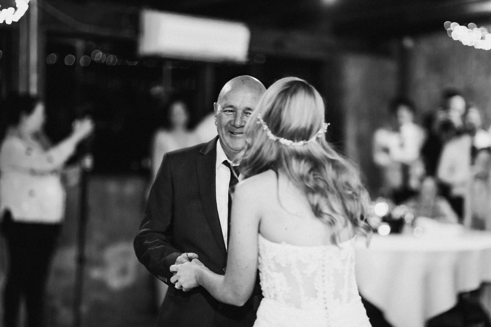 WeddingPhotos_Facebook_2048pixels-1158.jpg