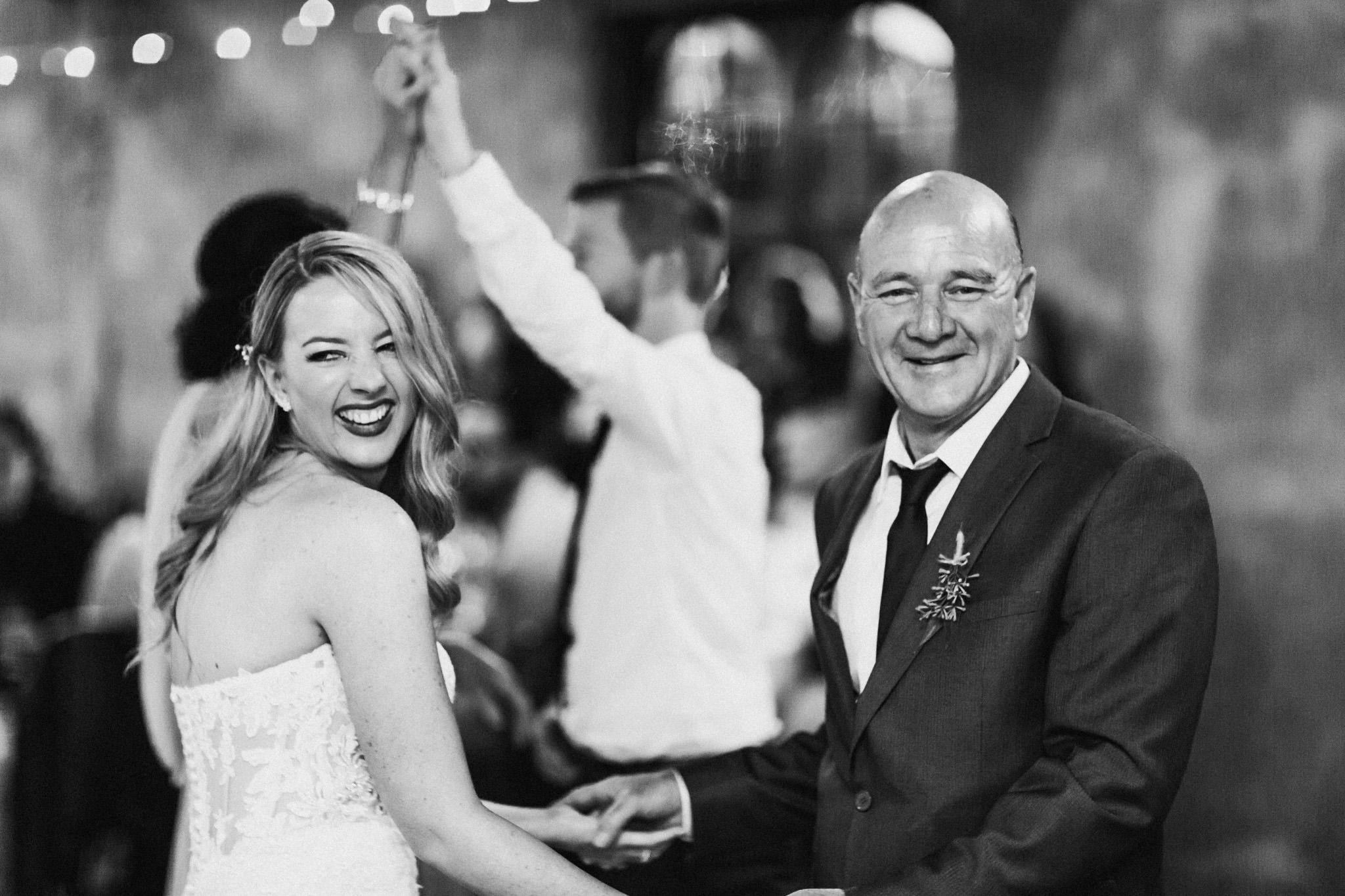 WeddingPhotos_Facebook_2048pixels-1160.jpg