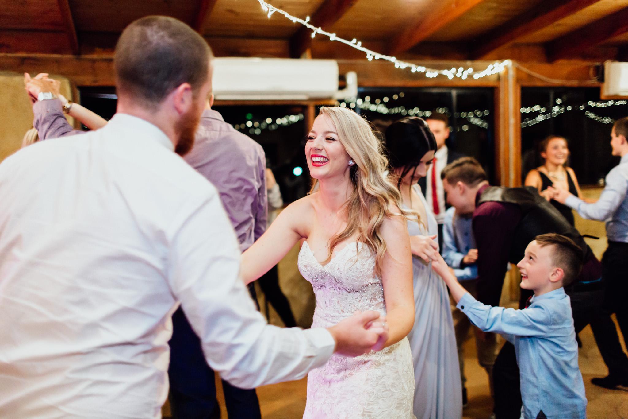 WeddingPhotos_Facebook_2048pixels-1162.jpg