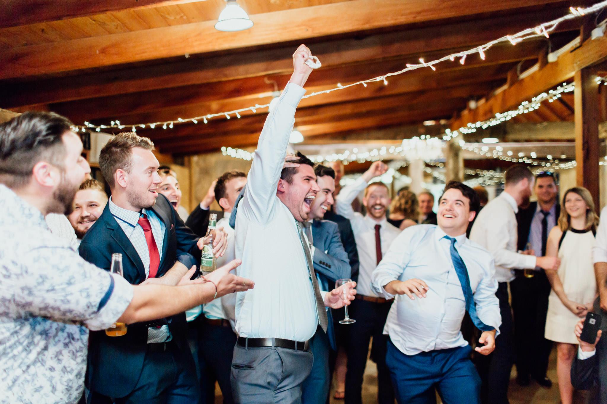 WeddingPhotos_Facebook_2048pixels-1168.jpg