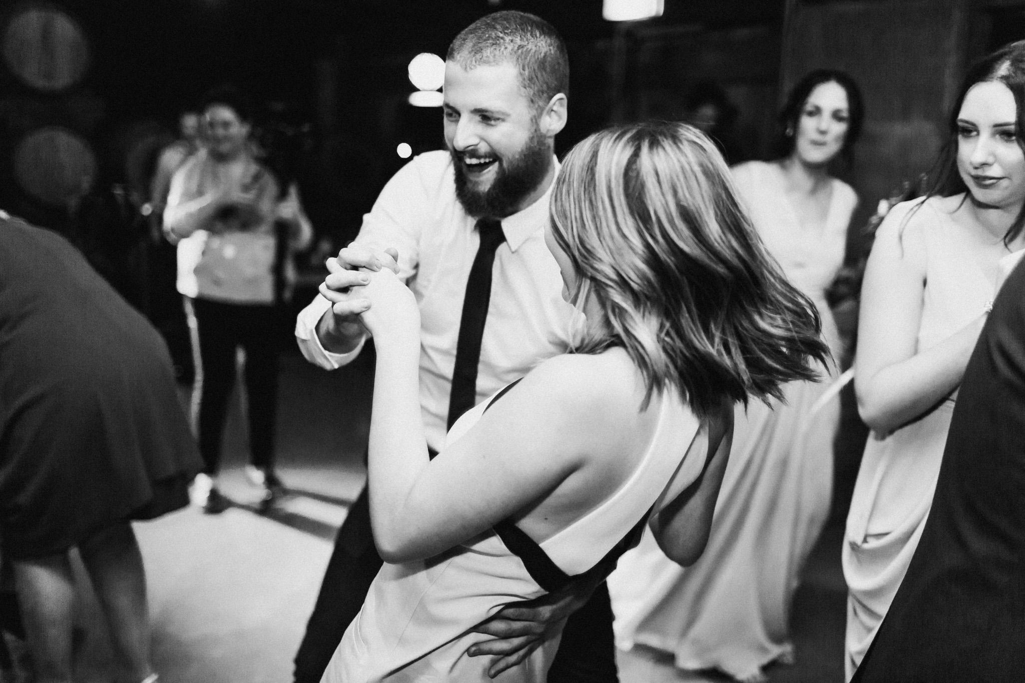 WeddingPhotos_Facebook_2048pixels-1171.jpg
