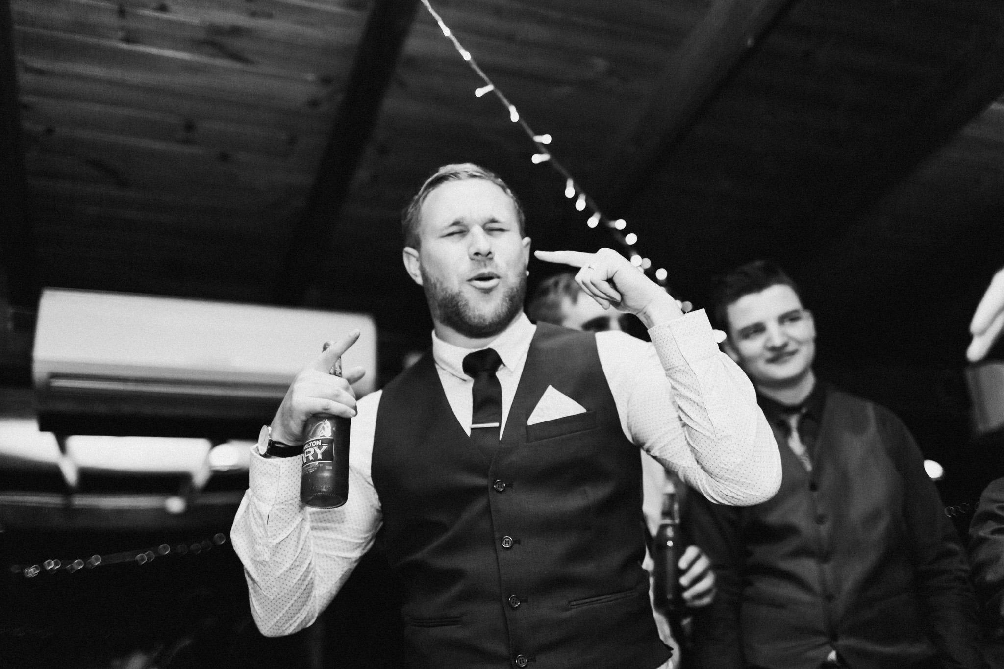 WeddingPhotos_Facebook_2048pixels-1173.jpg