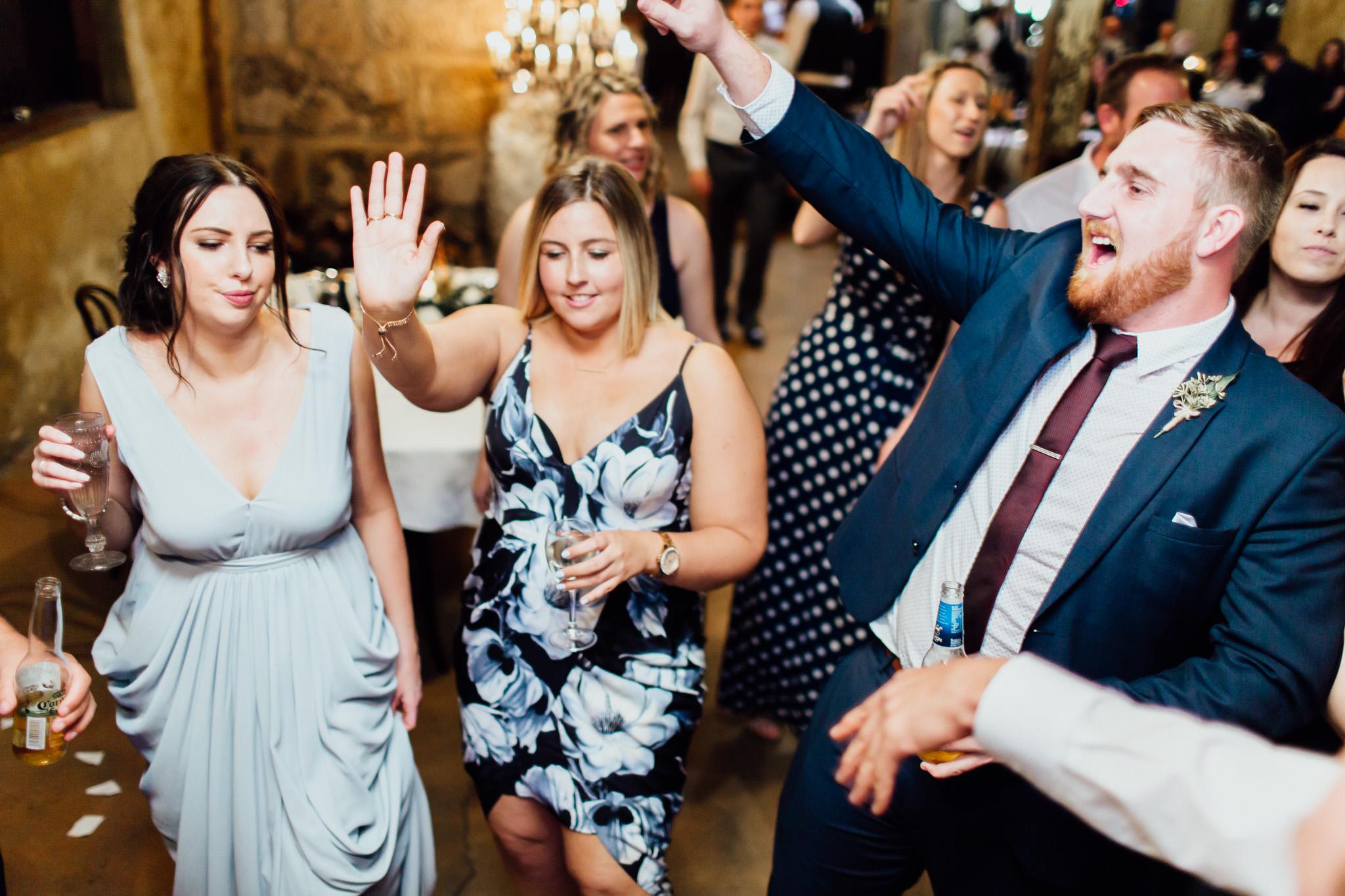 WeddingPhotos_Facebook_2048pixels-1179.jpg