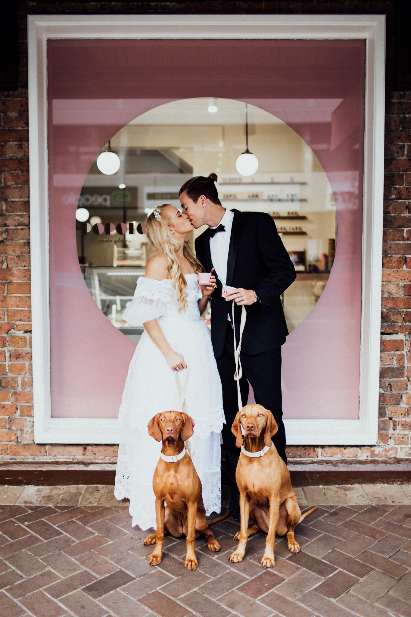 WeddingPhotos_Facebook_2048pixels-1049.jpg