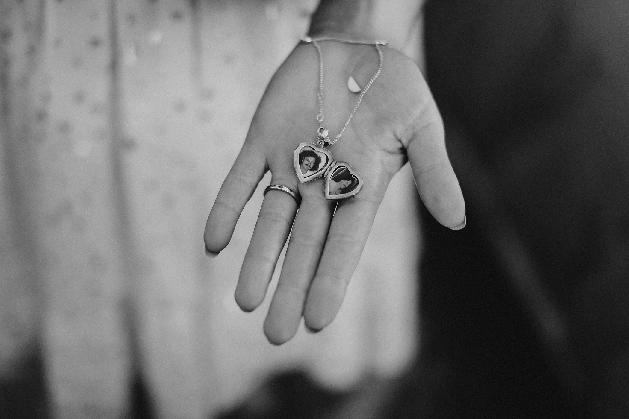 lauren-anne-photography-newcastle-wedding-photographer-mindaribba-house_0018.jpg