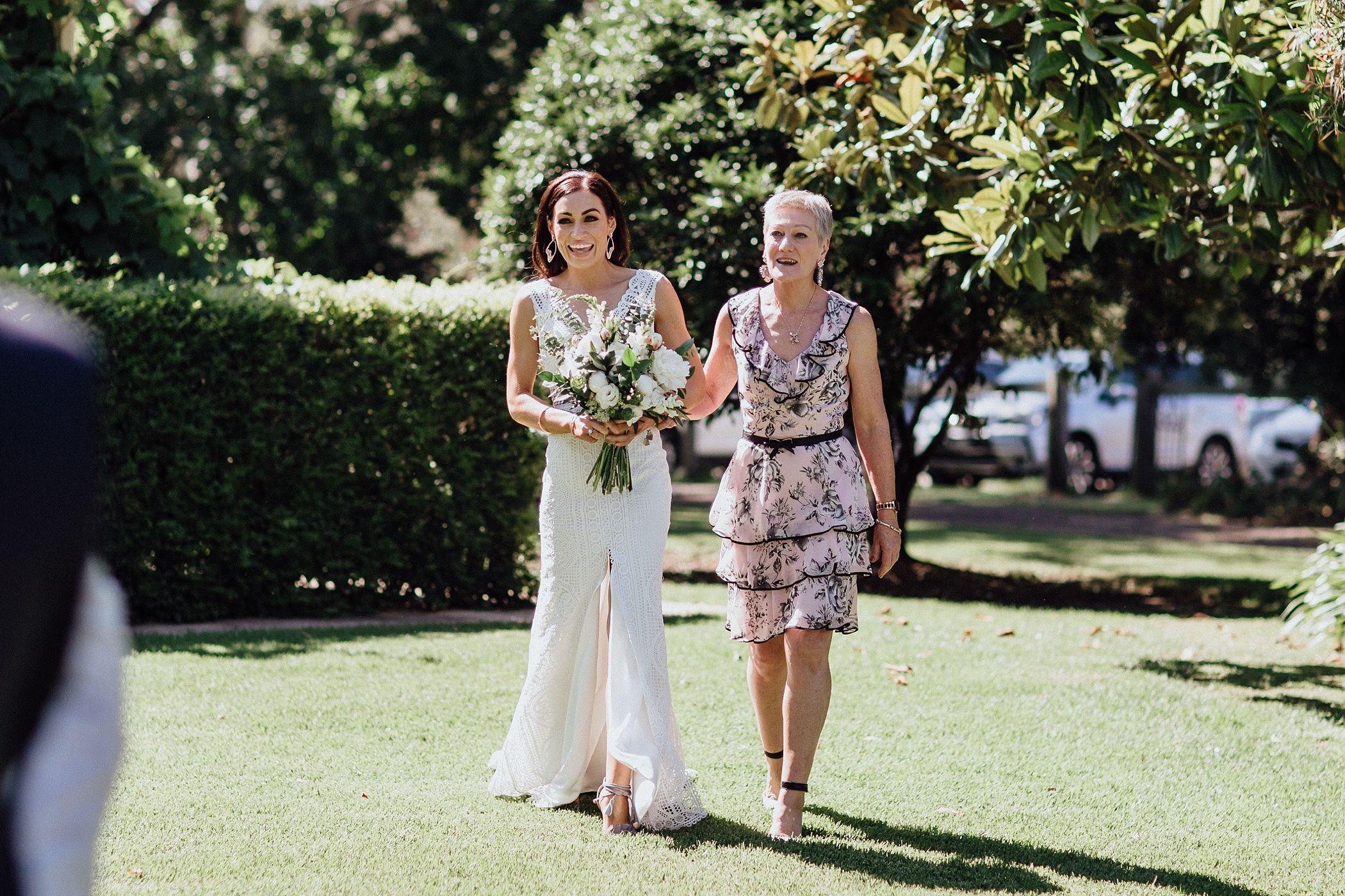 lauren-anne-photography-newcastle-wedding-photographer-mindaribba-house_0020.jpg