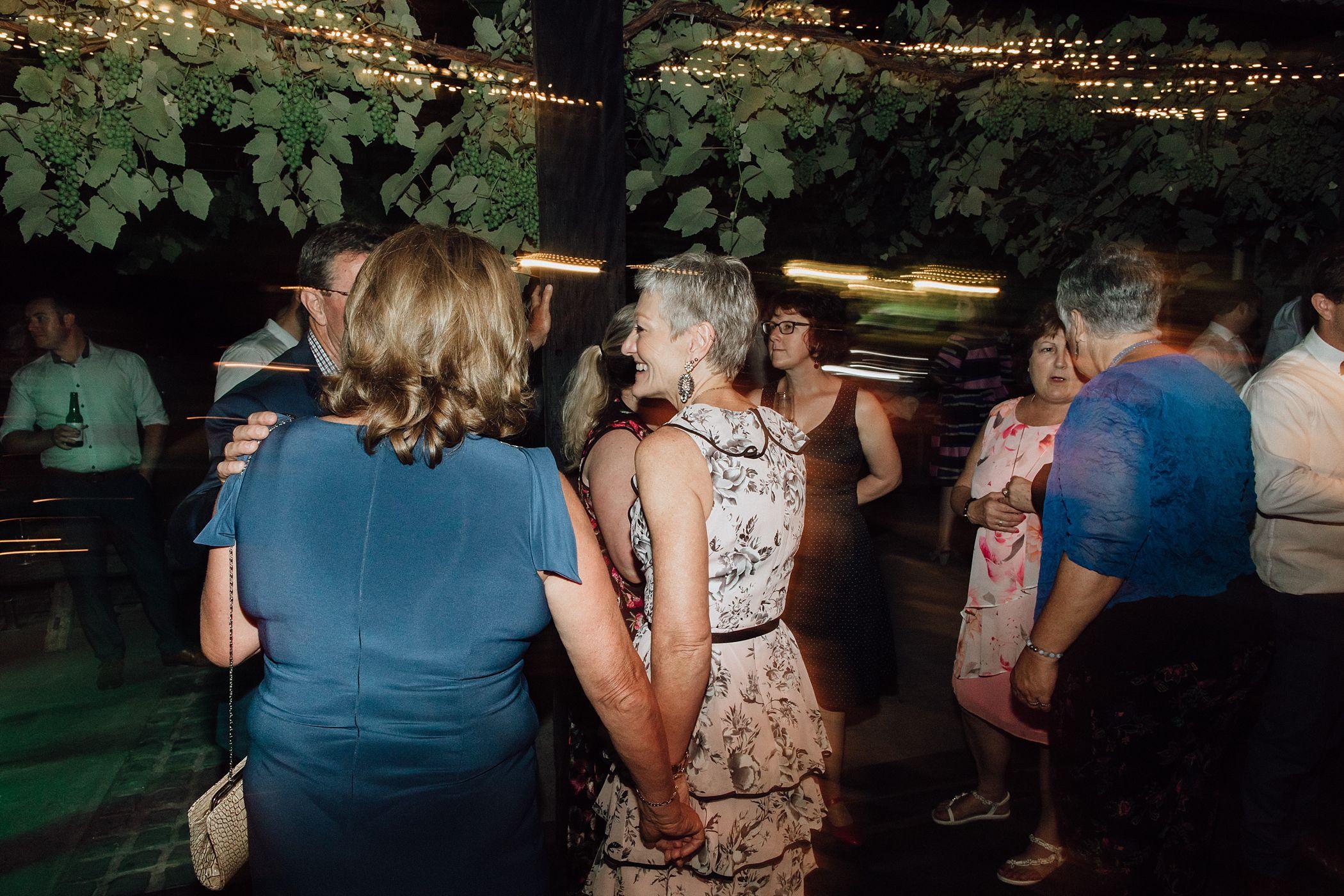 lauren-anne-photography-newcastle-wedding-photographer-mindaribba-house_0156.jpg