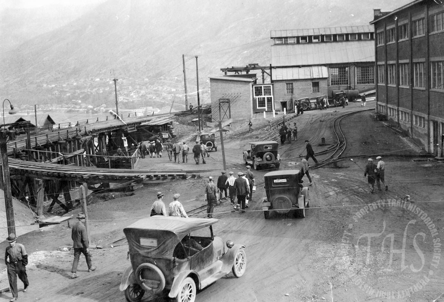 Shift change at the CM&S, Trail (Hughes) - 1927