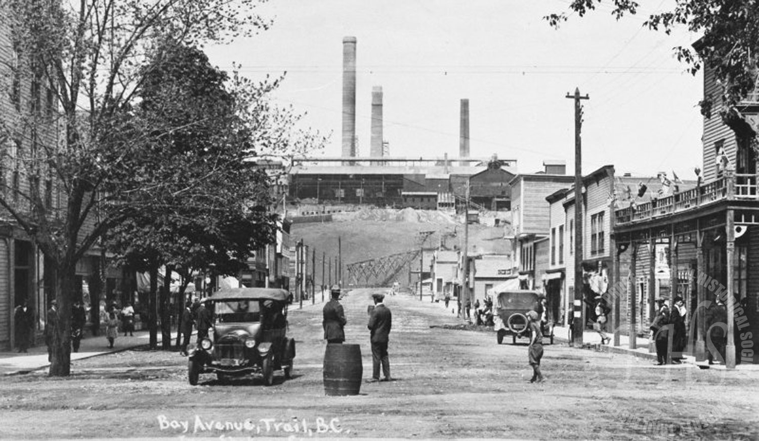 Cars on Bay Avenue, from Spokane Street looking north (Hughes) - 1924
