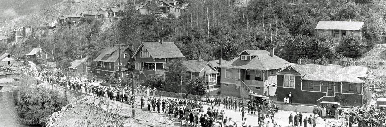 Dominion Day parade on Riverside Avenue (Hughes) - 1927