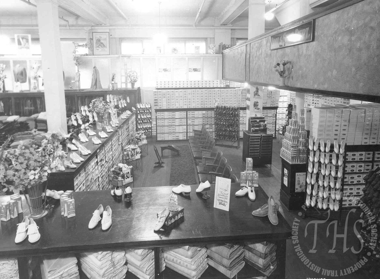 Company Store interior, Cedar Avenue (Hughes) - 1930