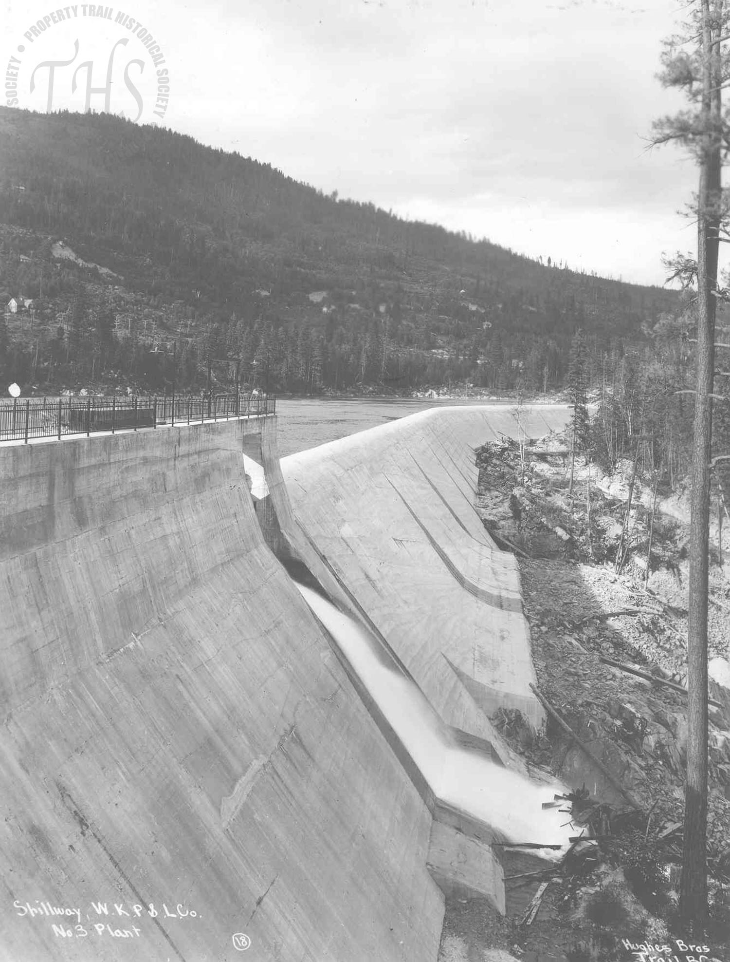 Spillway, South Slocan plant (Hughes) - 1930