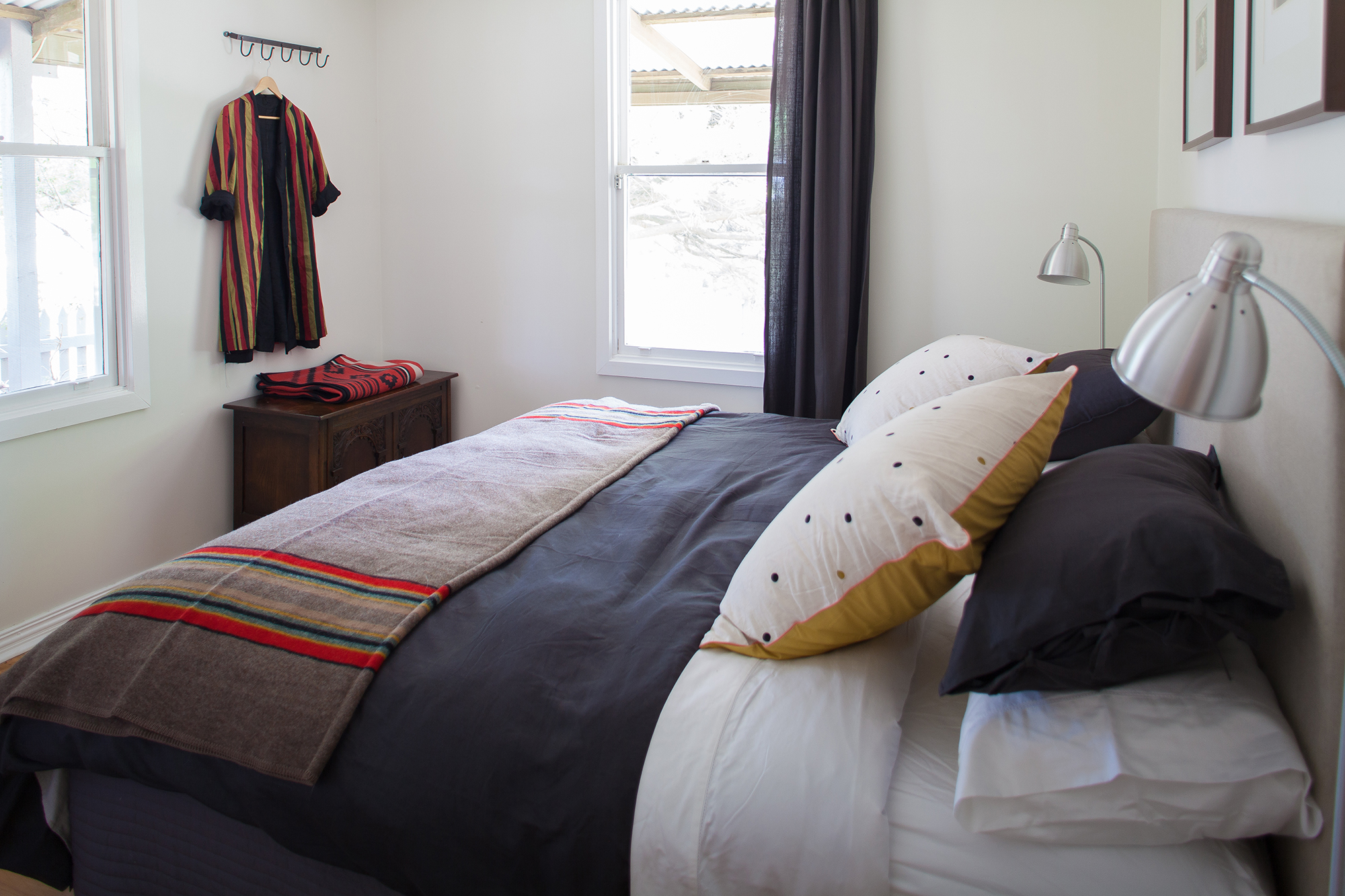 106-Deep-Lead-Lane-King-bed-horizontal-v2-copy-2.jpg