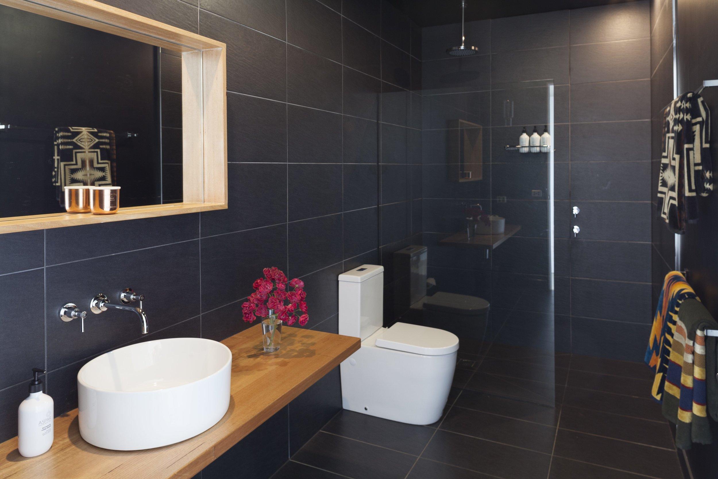 80 Salisbury rd Lauriston-34 bathroom.jpg