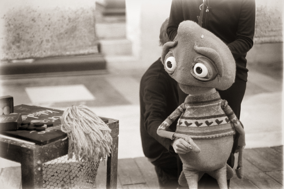 cuthbert-ponders-the-mop.jpg