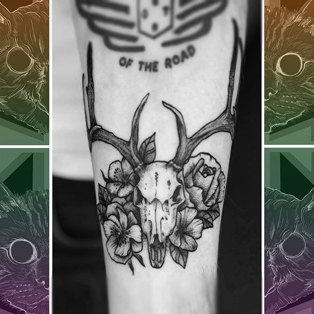 A little custom drawn skull and flowers to fit the available space. Spot on the kind of work that @sooztattoo wants to be doing!  #owlcat #owlcattatto #tattoo #tattoos #tattooworkers #tattooartist #tattoosofinstagram #uktta #aberdeen #aberdeencity #scotland #fun #art #ink #tatmaps #bestofbritishtattoo #sonya7 #seeninthedeen #tattooist #artist #solidink #granitecity #skulltattoo #flowertattoo #blackwork