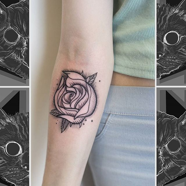 A real cool, illustrative rose by Jim.  #owlcat #owlcattatto #tattoo #tattoos #tattooworkers #tattooartist #tattoosofinstagram #uktta #aberdeen #aberdeencity #scotland #fun #art #ink #tatmaps #bestofbritishtattoo #sonya7 #seeninthedeen #tattooist #artist #solidink #granitecity #rosetattoo #illustrativetattoo #blackwork