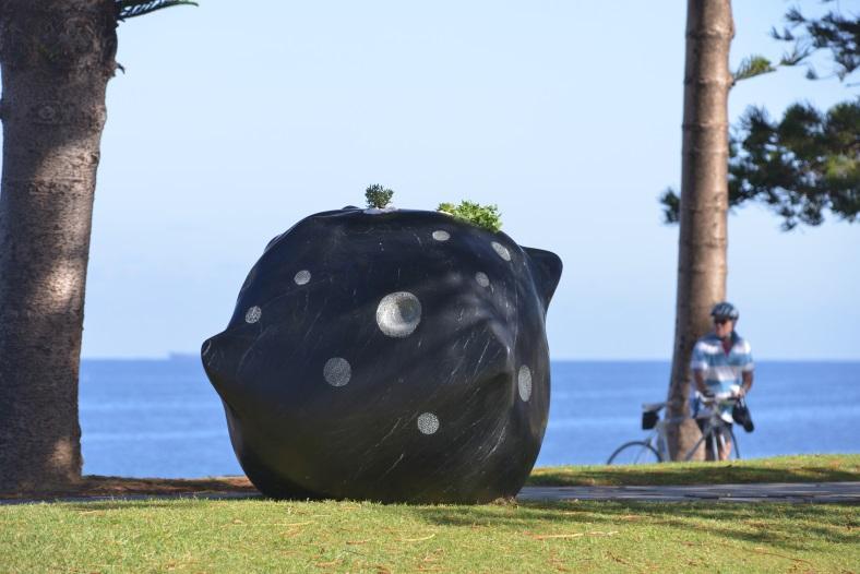 Jina Lee sculpture by the sea 2016 Meteorite.jpg