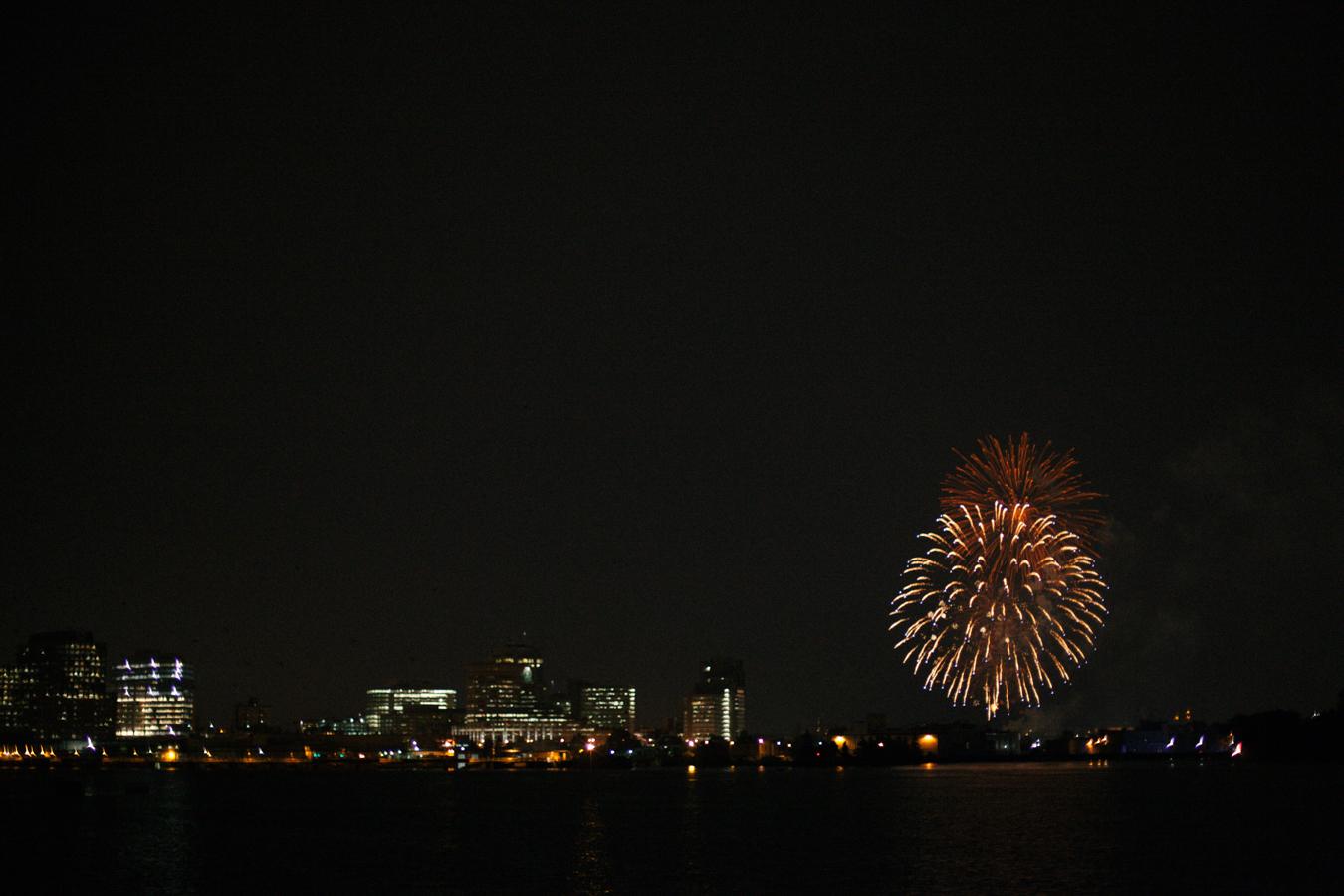 Canada-Day-Ottawa-Parliament-Fireworks_4921.JPG