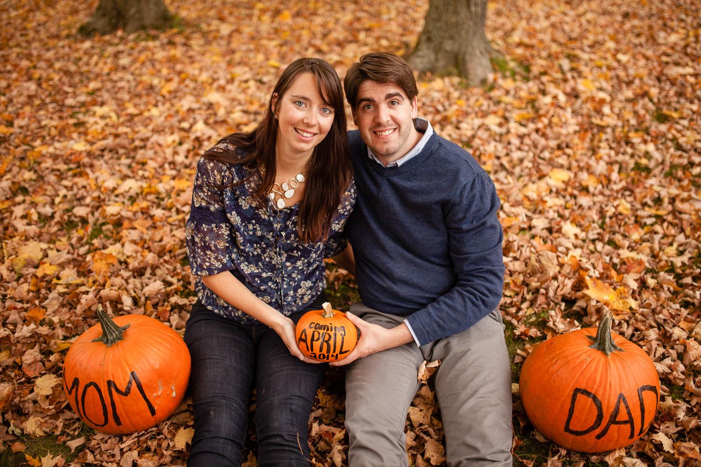 Jonathan-Kuhn-Photography-Baby-Reveal-Pregnancy-Announcement-Pumpkin-9769-17.jpg