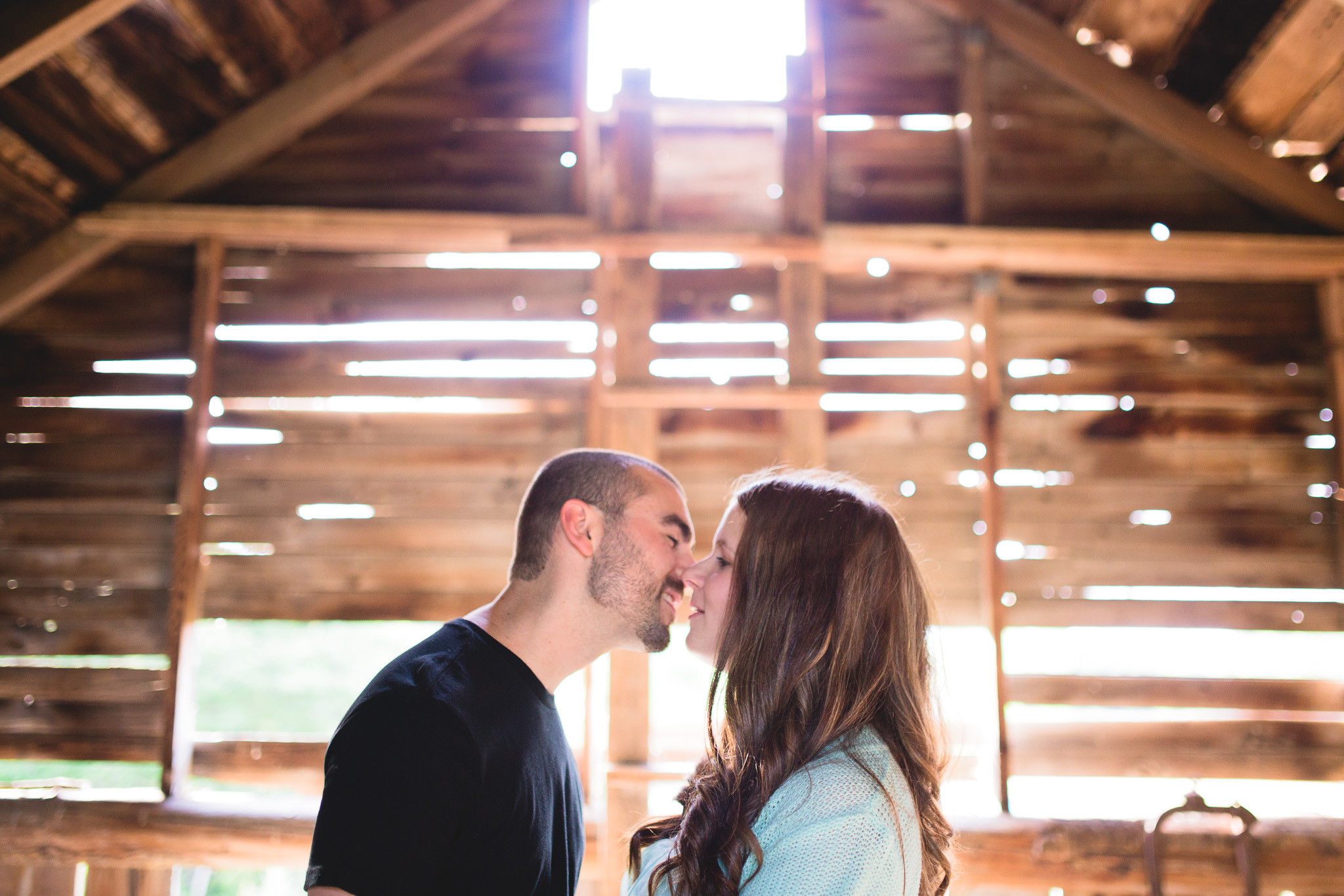Vintage-Barn-Engagement-Ottawa