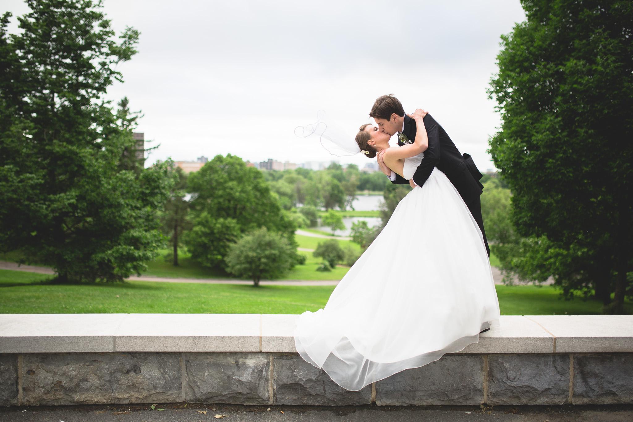 Wedding-Photos-in-the-Arboretum