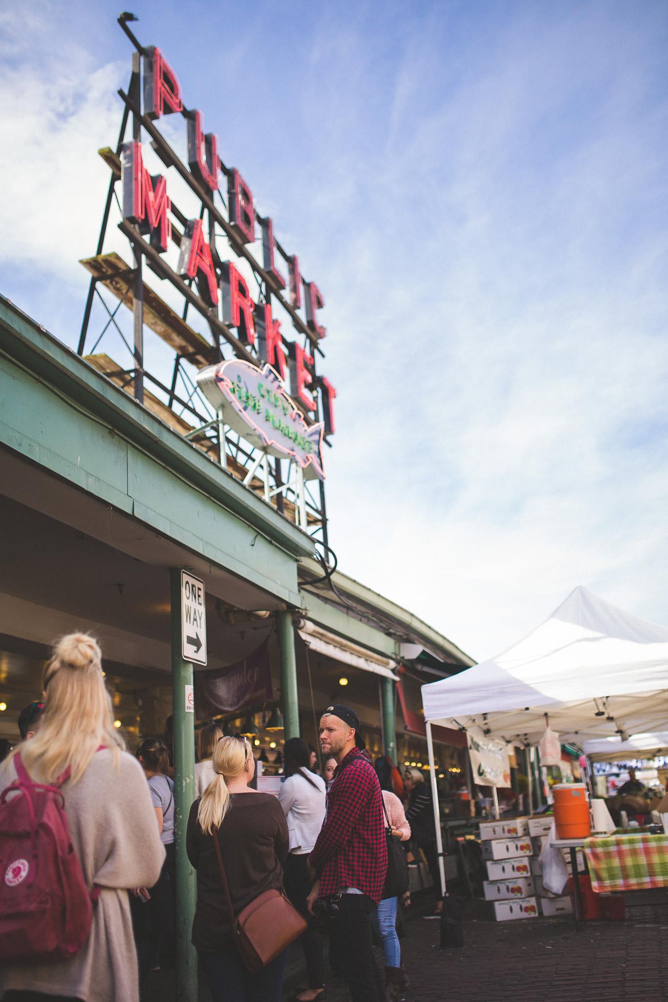 Seattle-public-Market-sign
