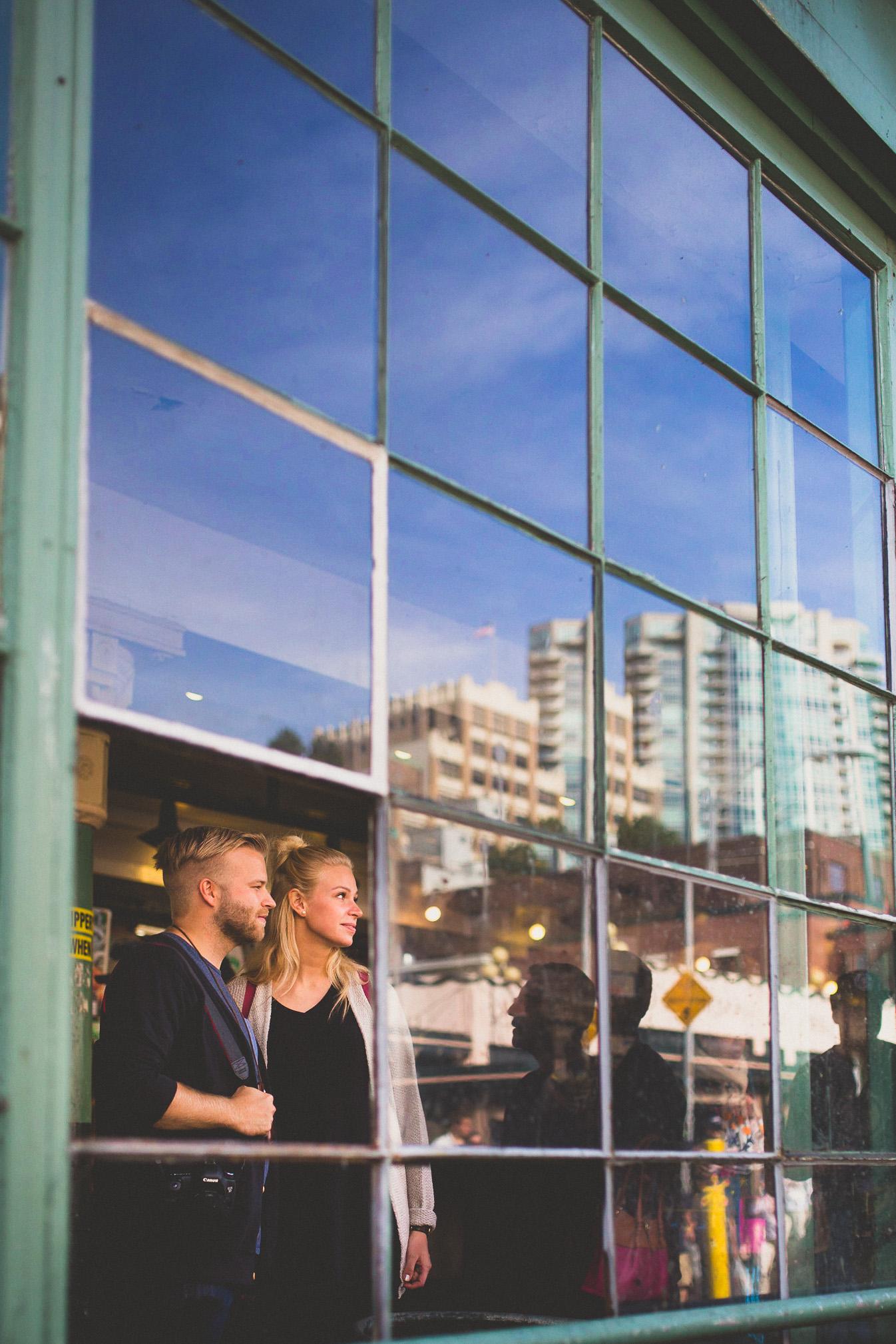 Reflection-in-glass-ottawa-photographer