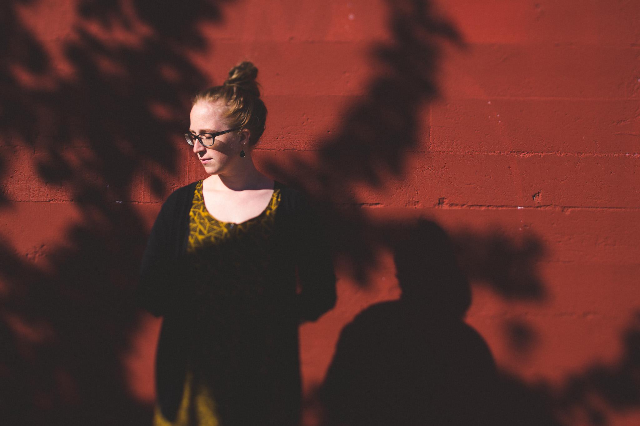 girl-posing-with-shadows
