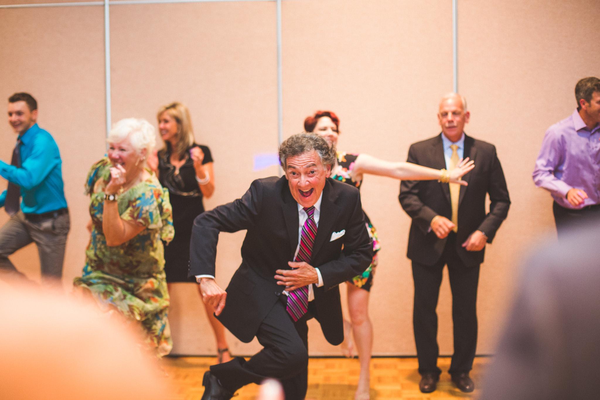 Dance-flash-mob-wedding