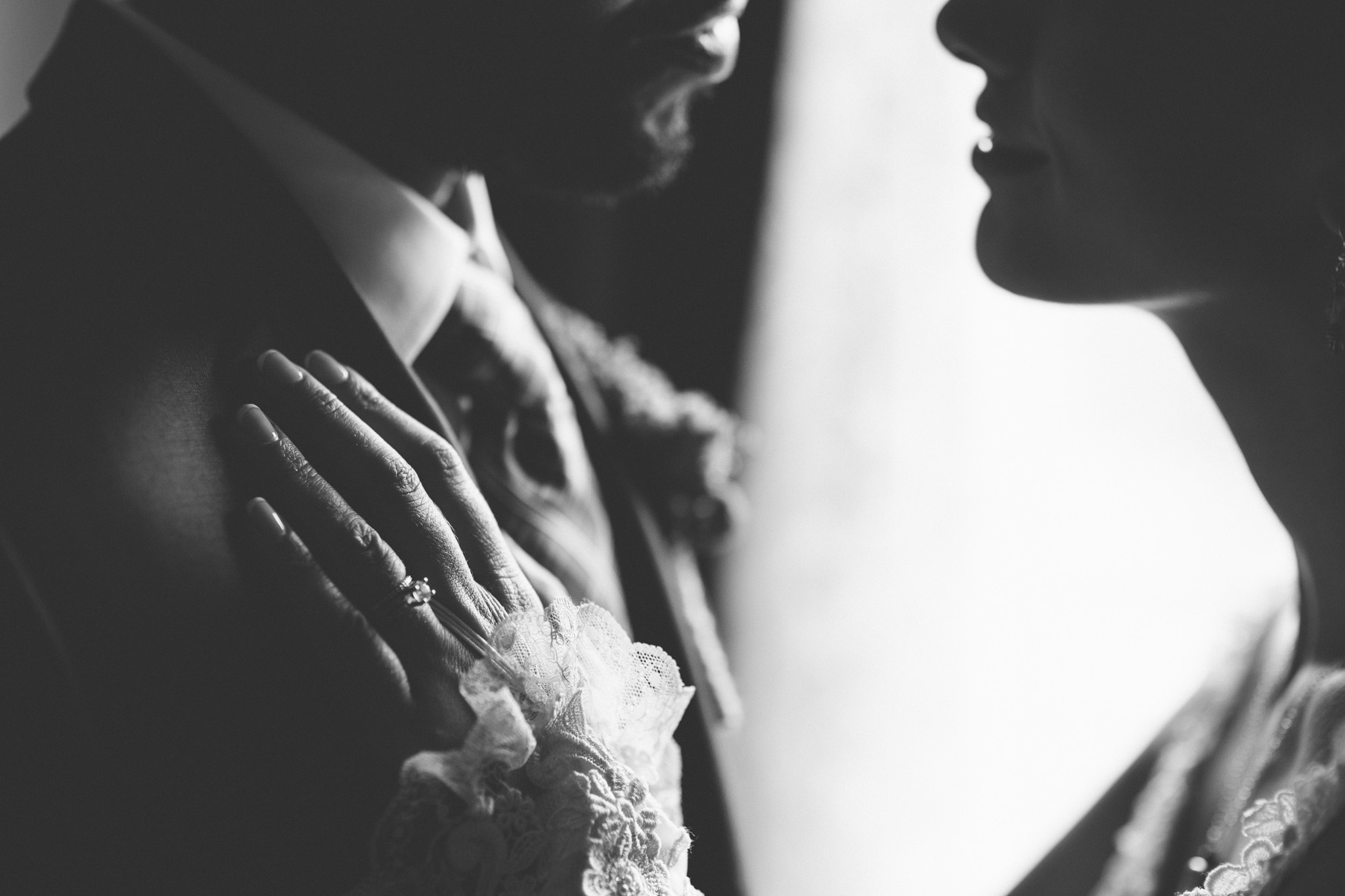 Dramatic-Black-White-Wedding-Portraits