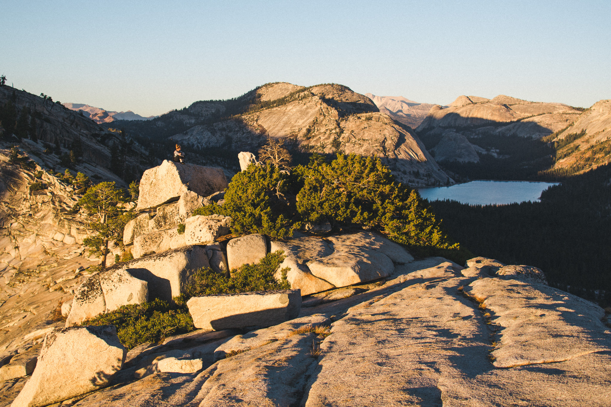 View-from-hill-in-yosemite