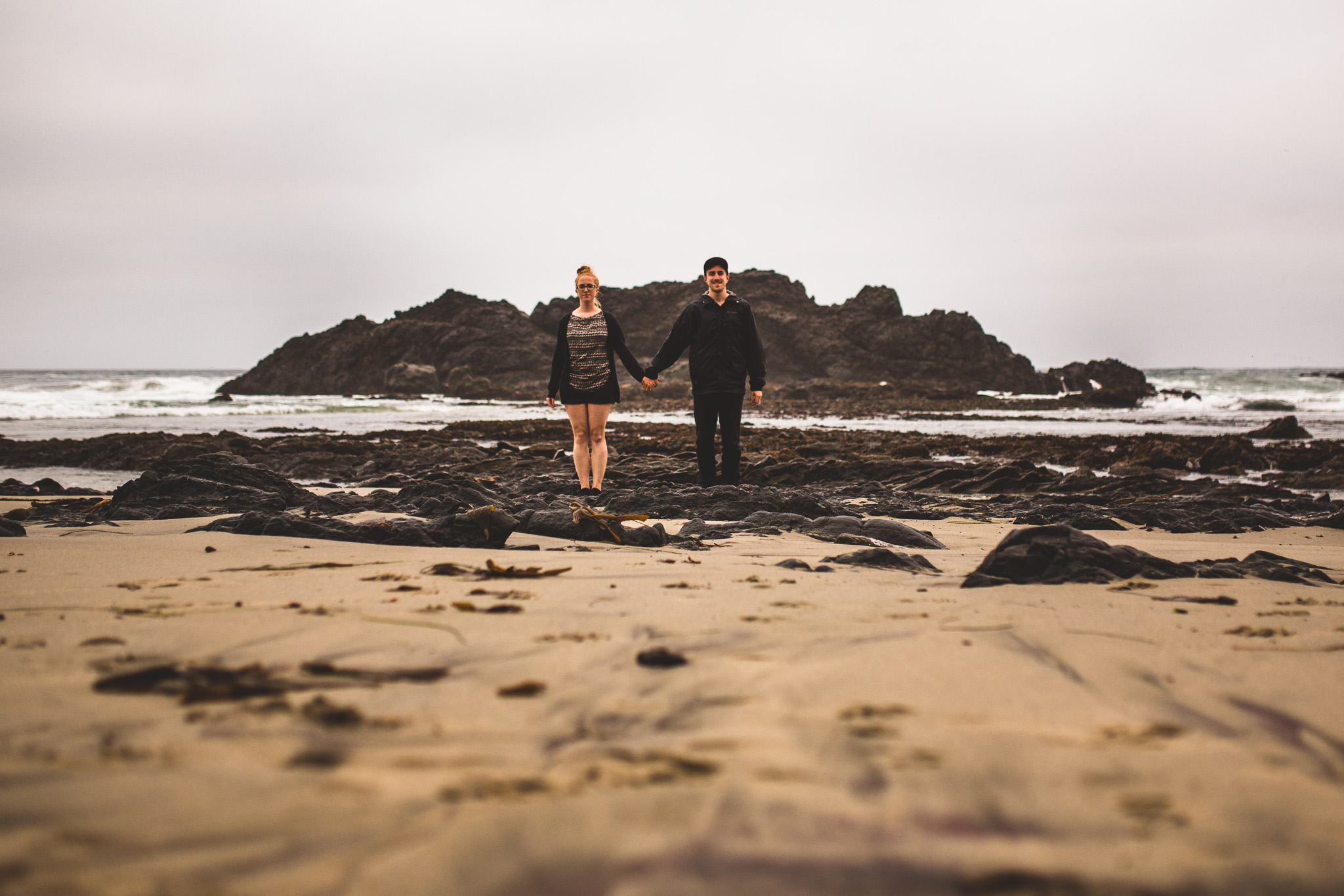 couple-portrait-on-pfeiffer-beach