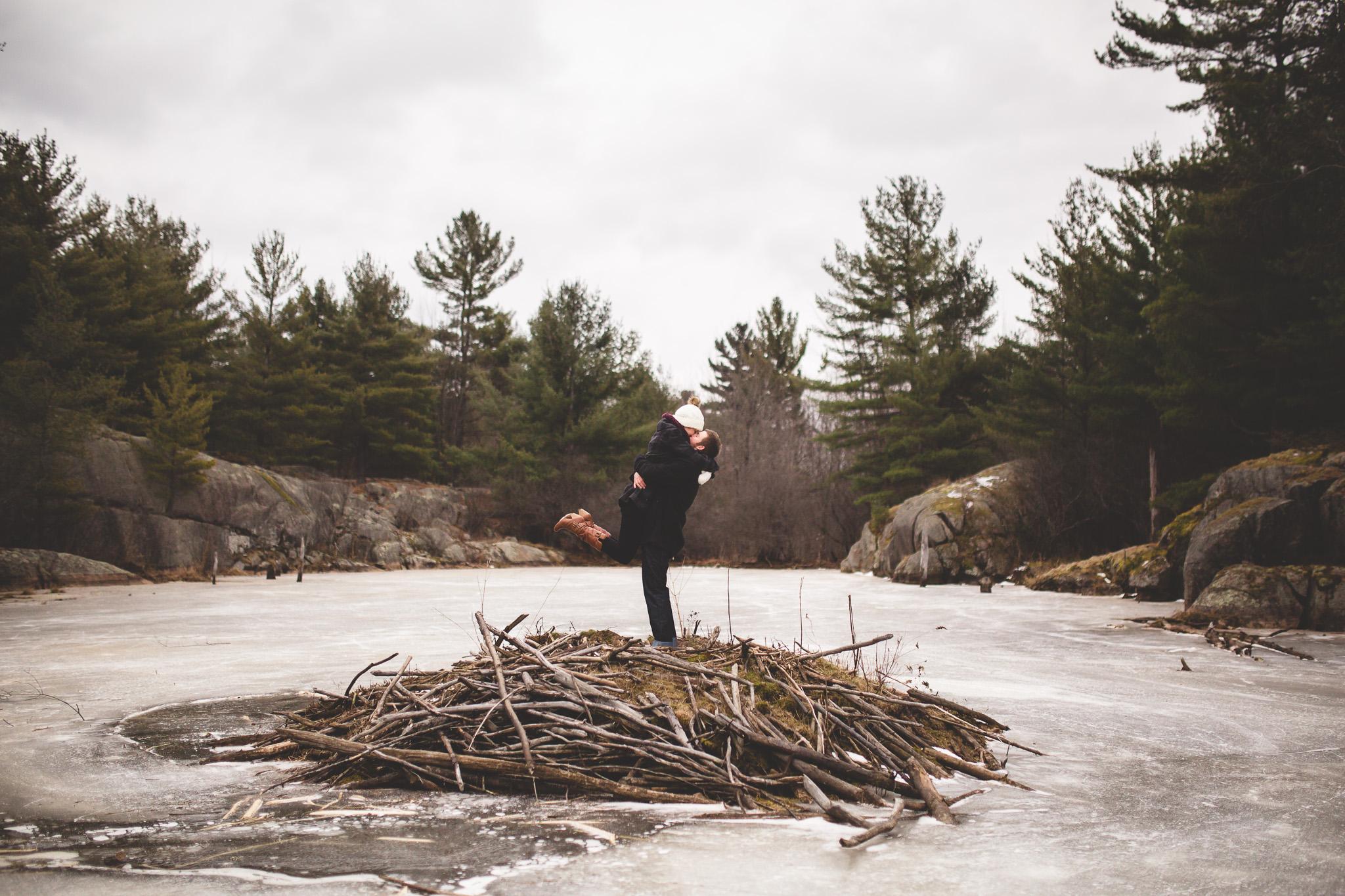 creative-winter-engagement-photos-ottawa