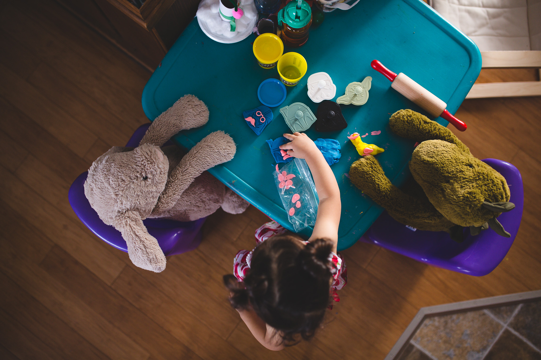 candid-lifestyle-family-session-in-home-ottawa