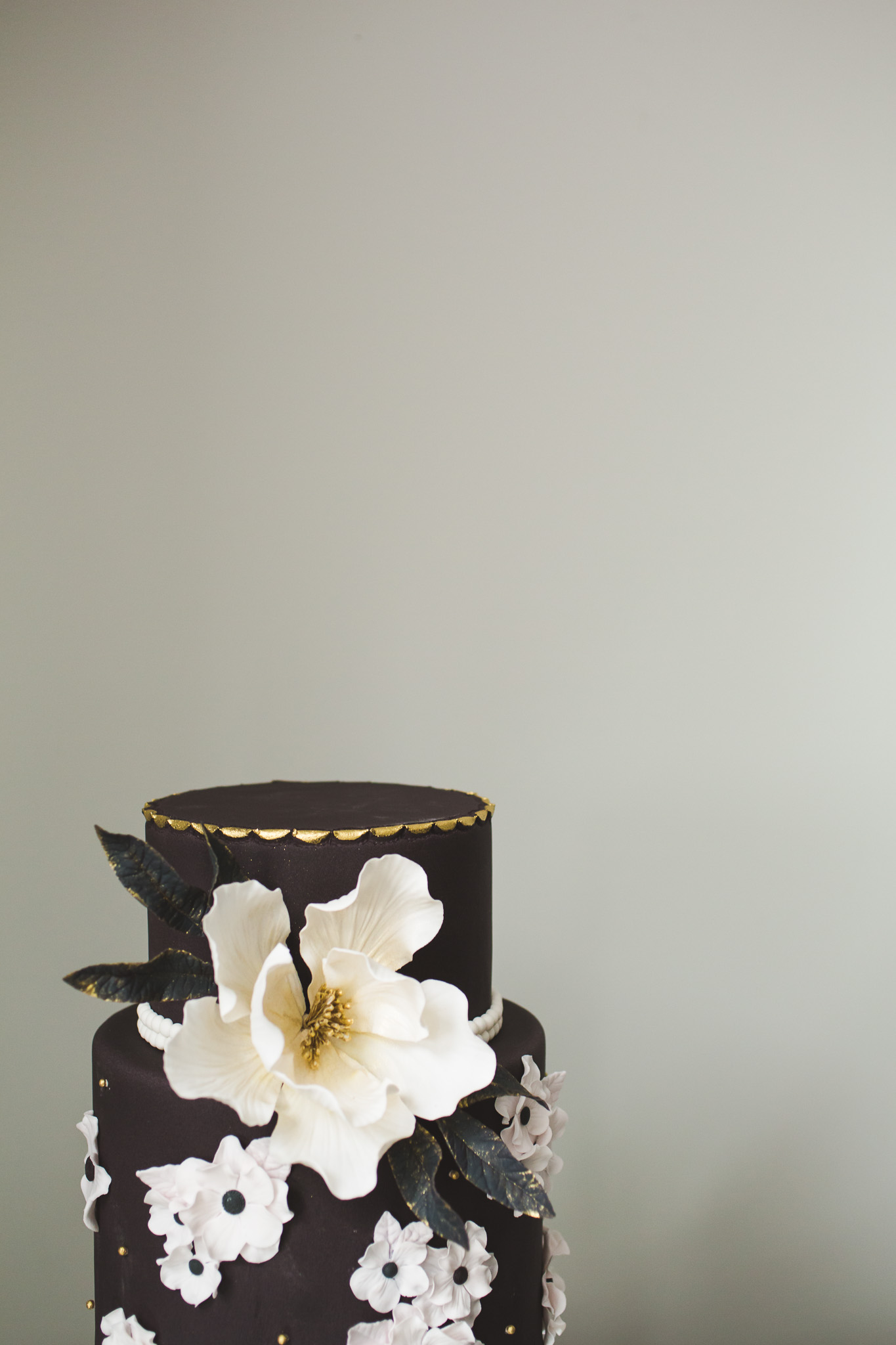 Black-Gold-Wedding-Styled-Shoot