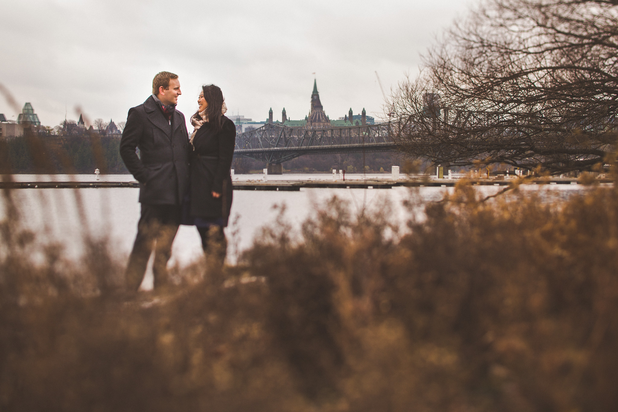ottawa-engagement-photos-parliament