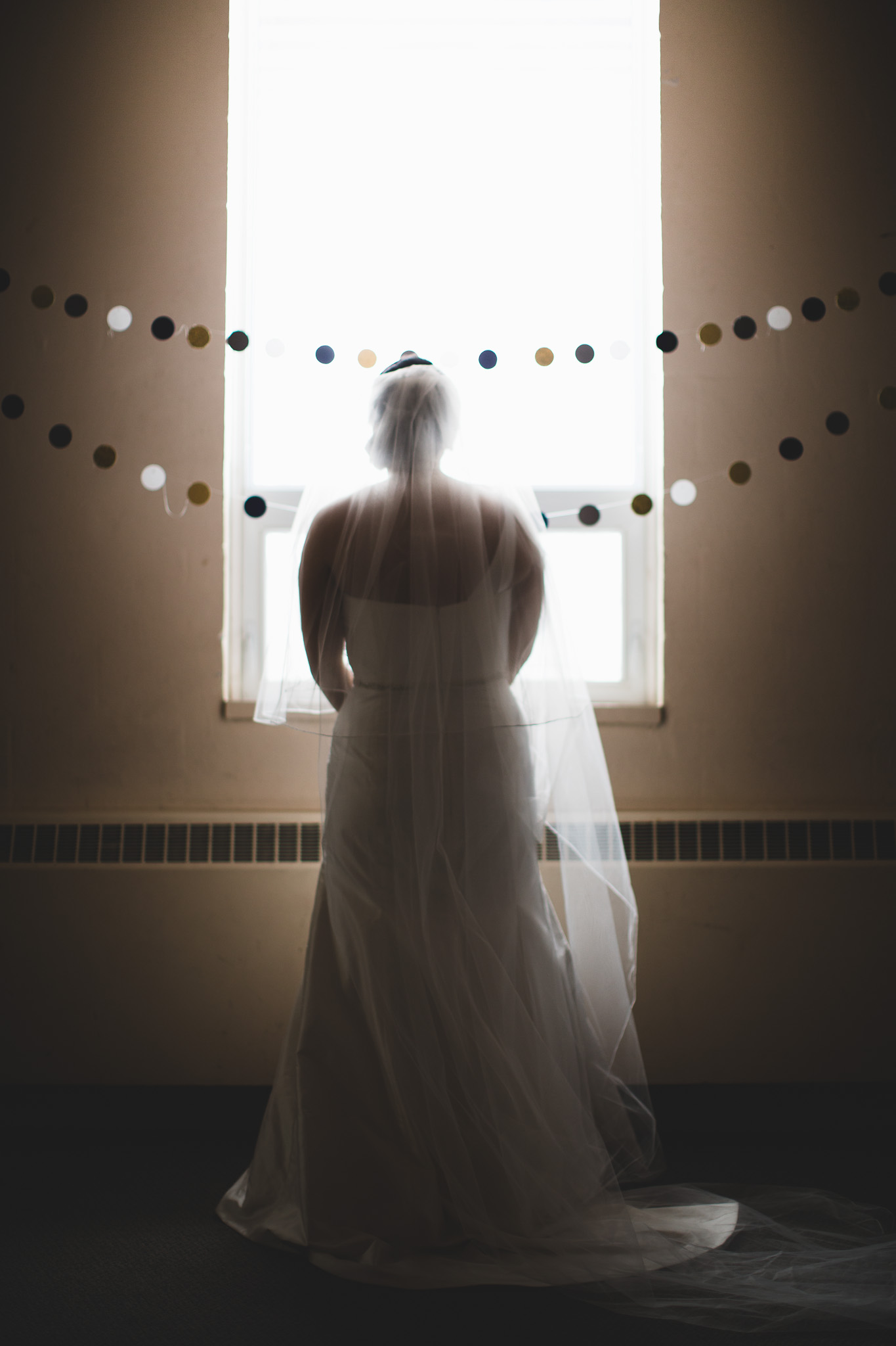 Bride-waiting-for-groom