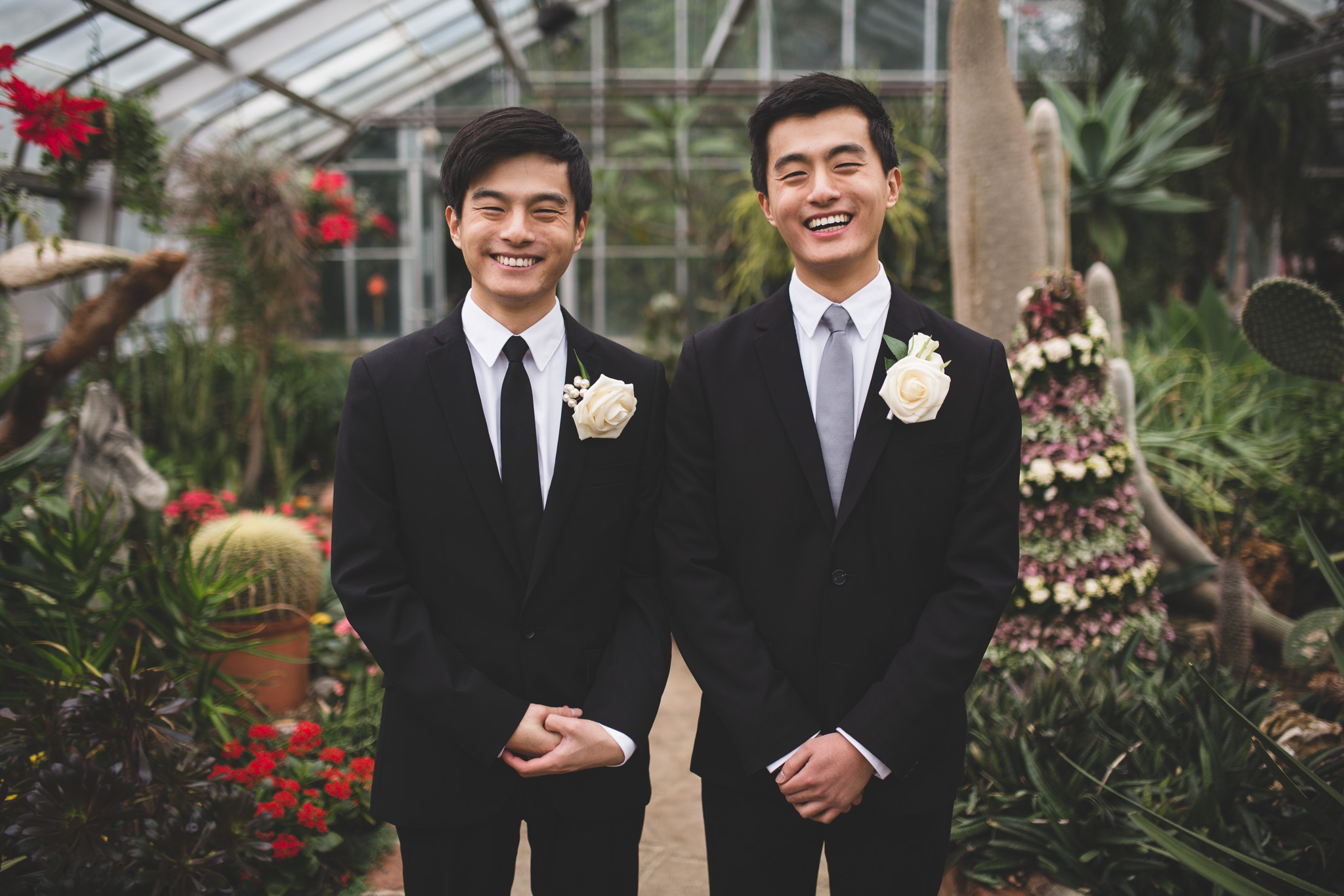 Natural-candid-wedding-photos-Ottawa