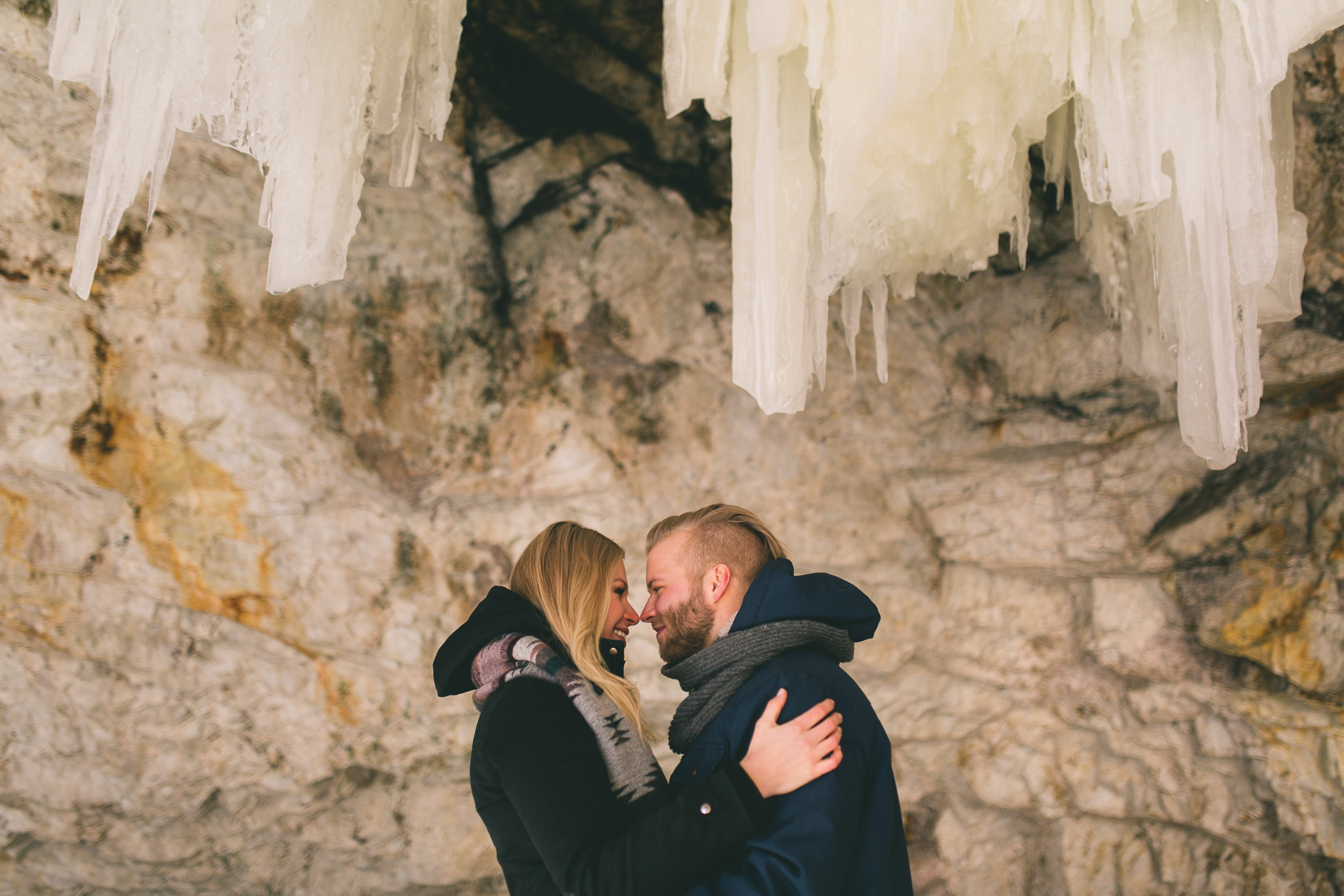 Ottawa-winter-engagement-session