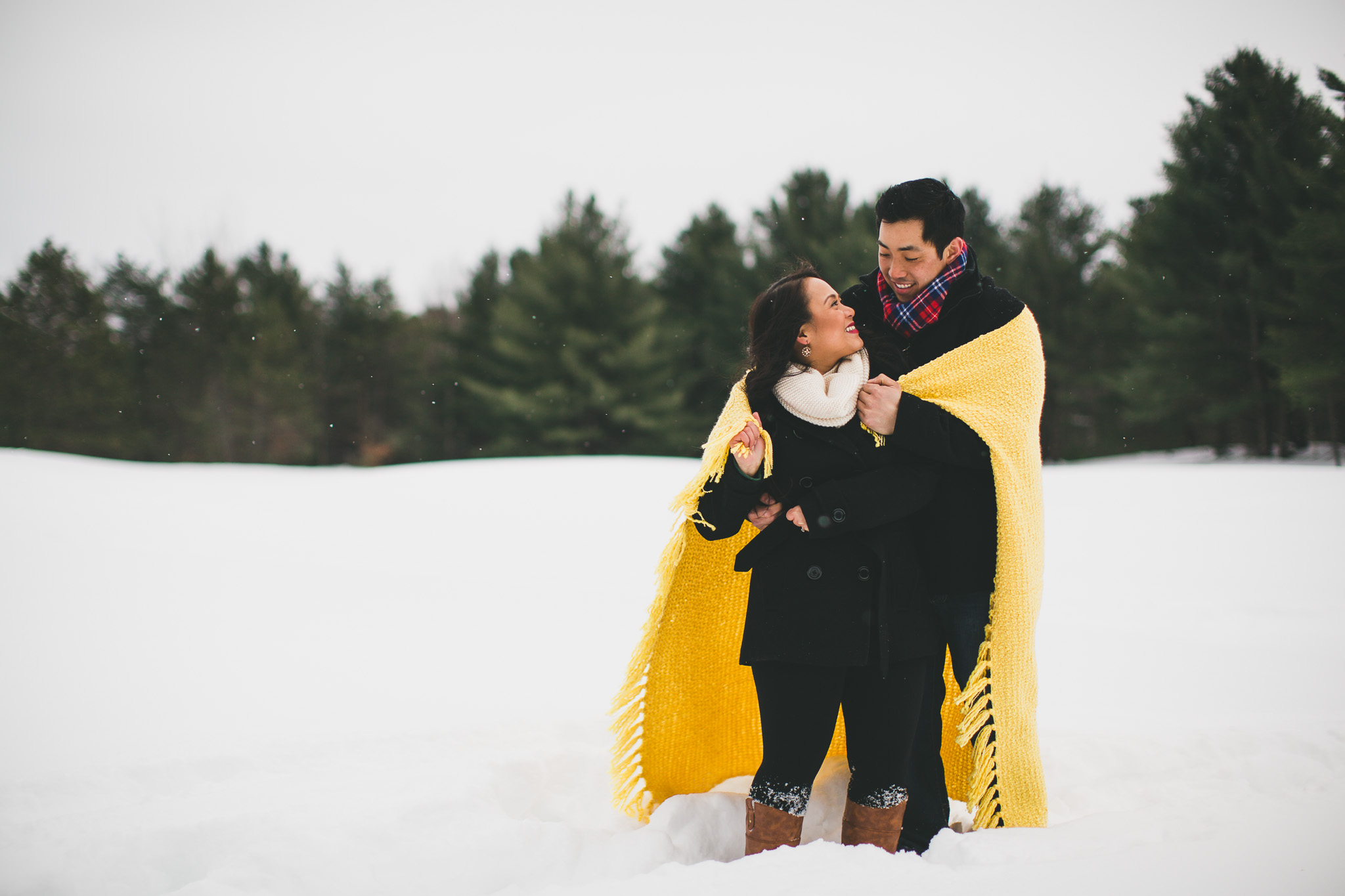 cozy-winter-engagement-photos