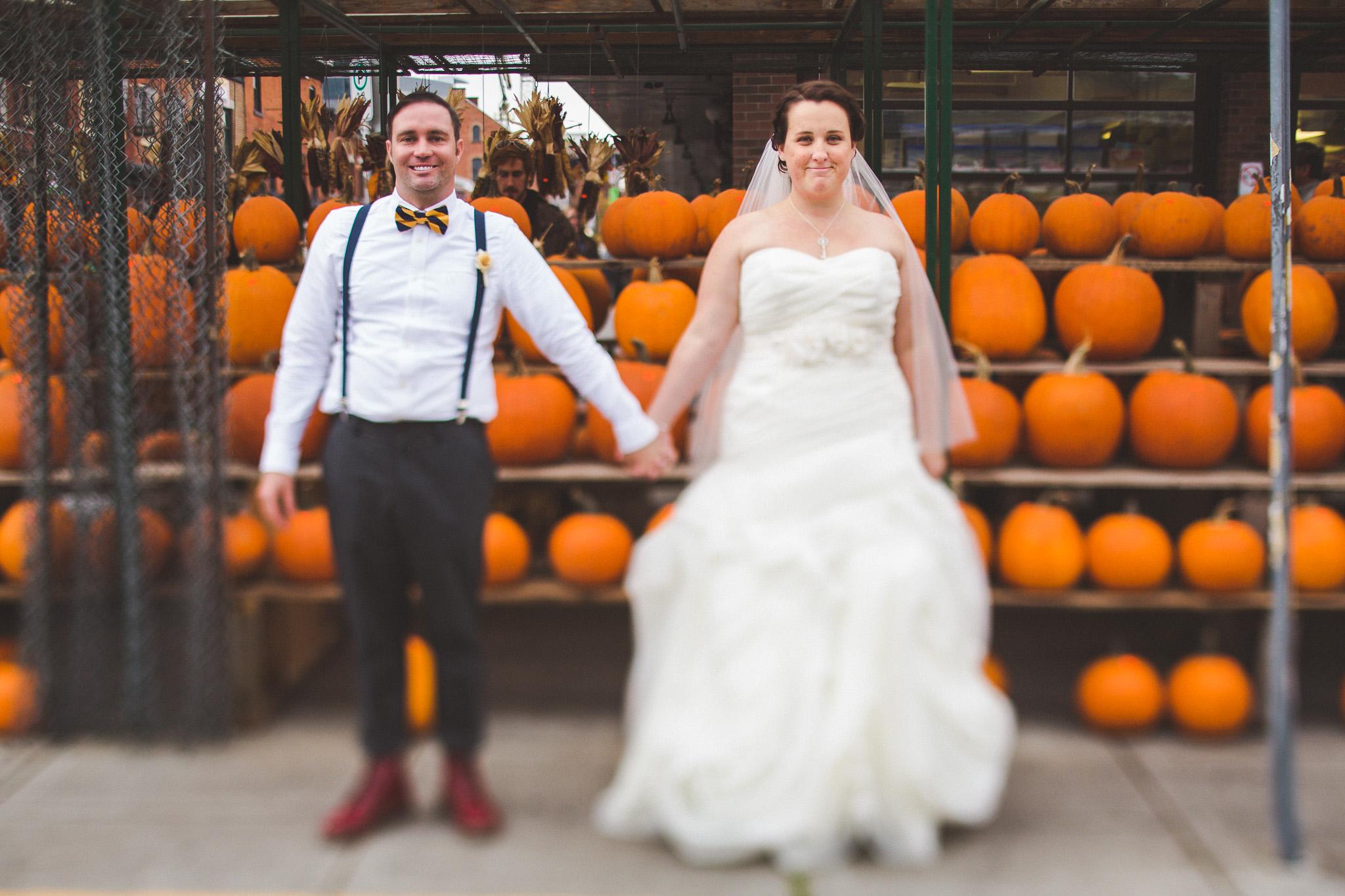 Fall-pumpkin-wedding-photos