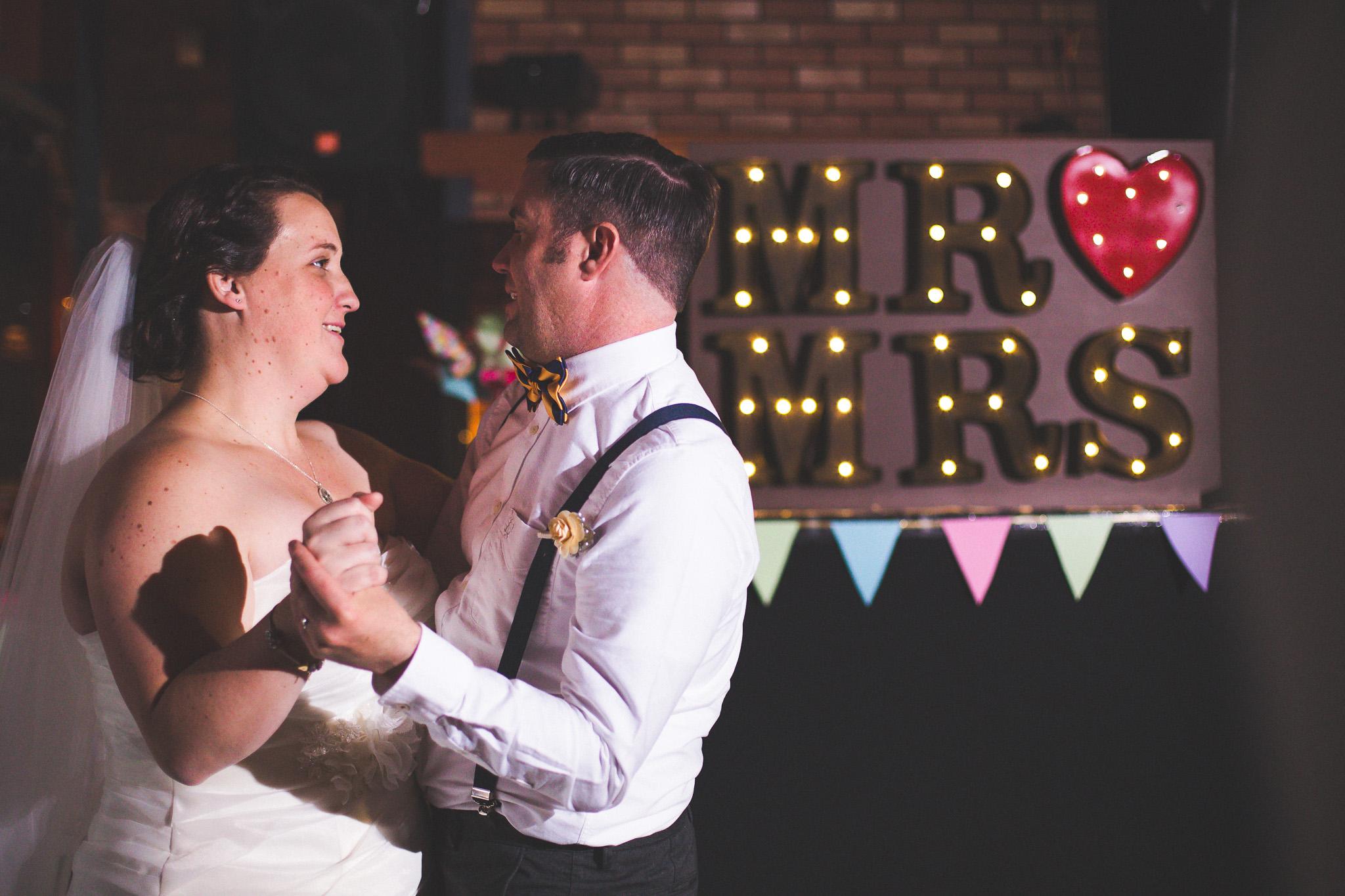 DIY-Marquee-Lettering-wedding