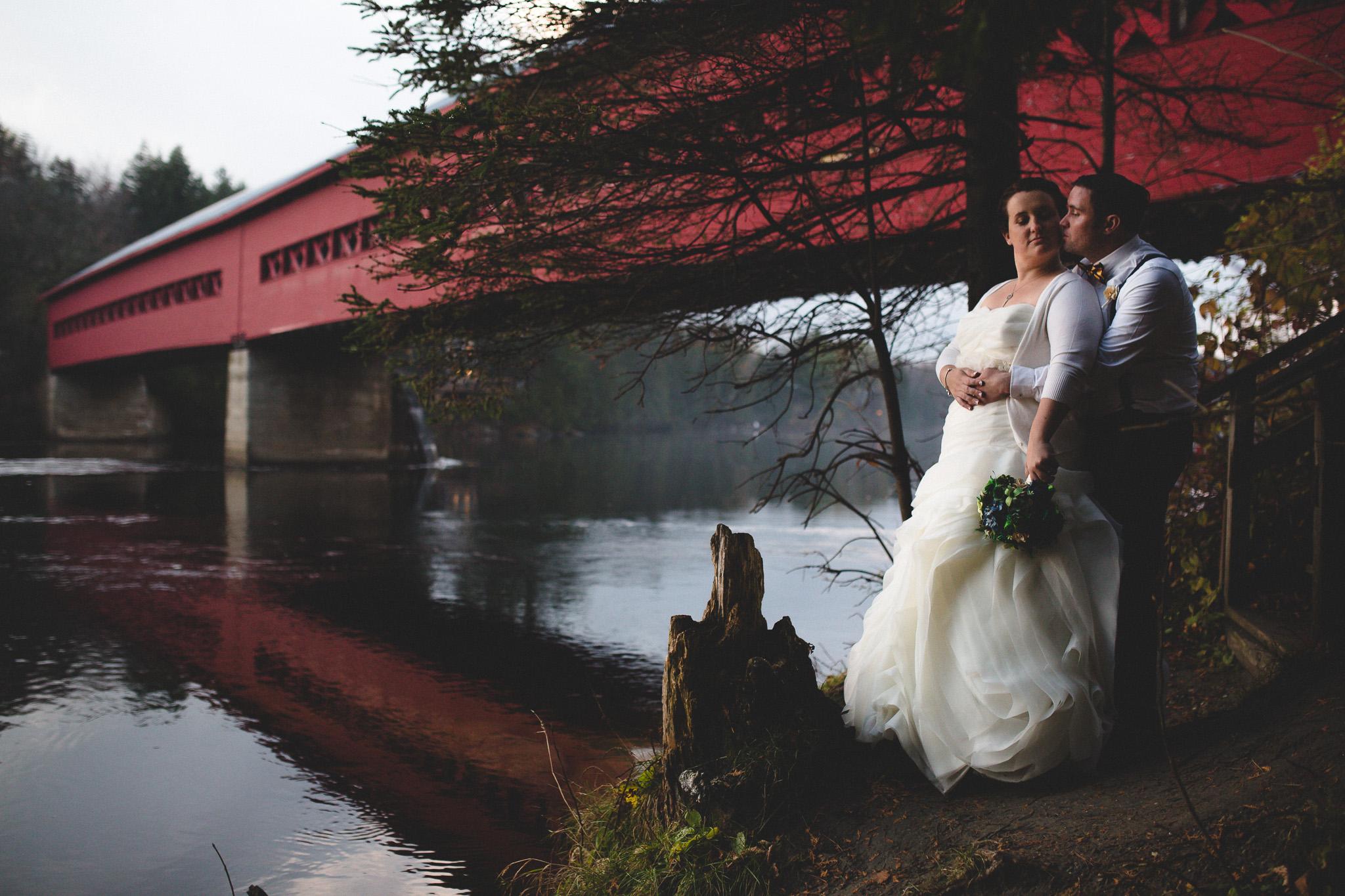 Wakefield-river-bridge-wedding-photos